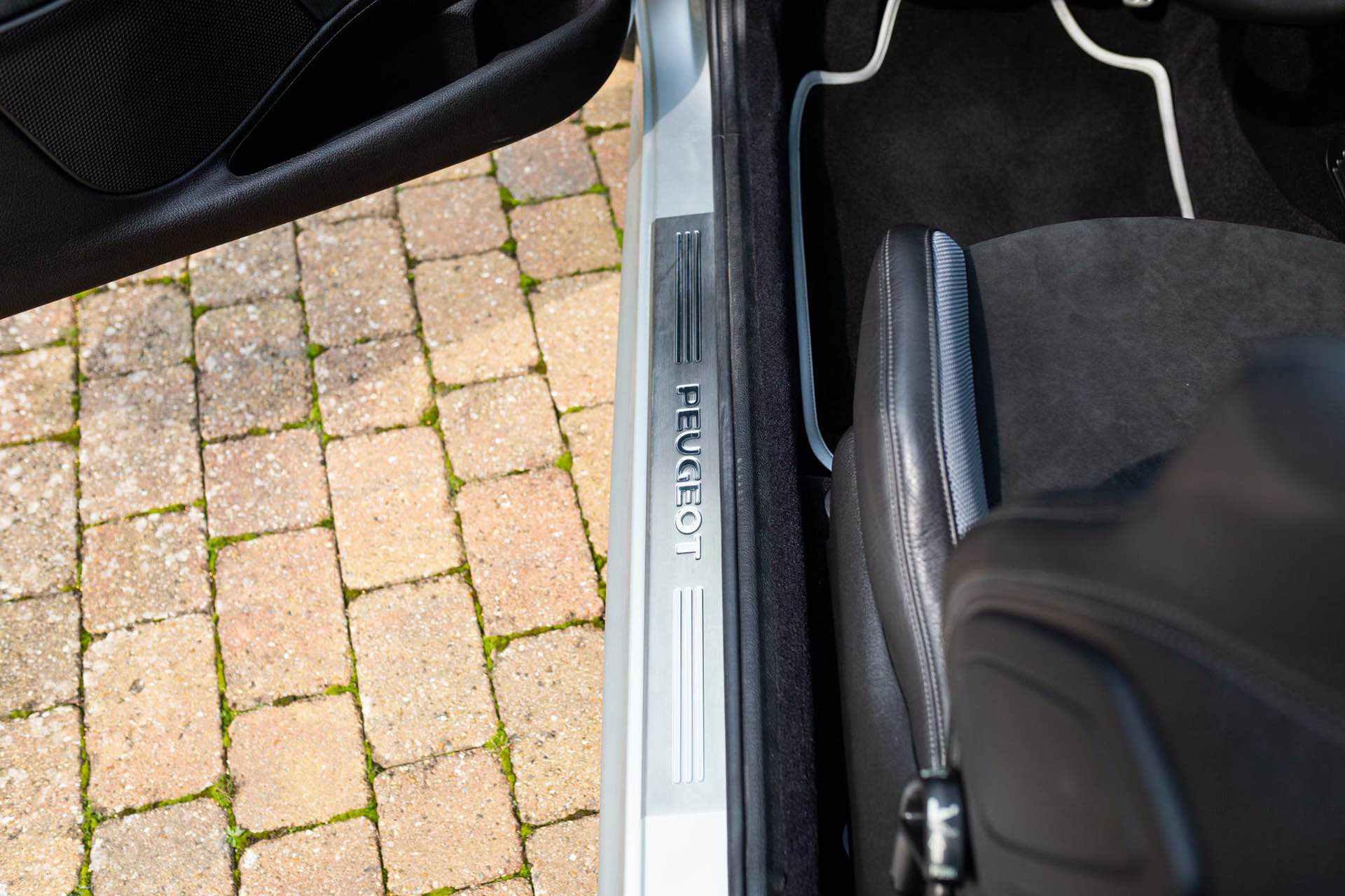 2003_Peugeot_206_RC_sale_0074