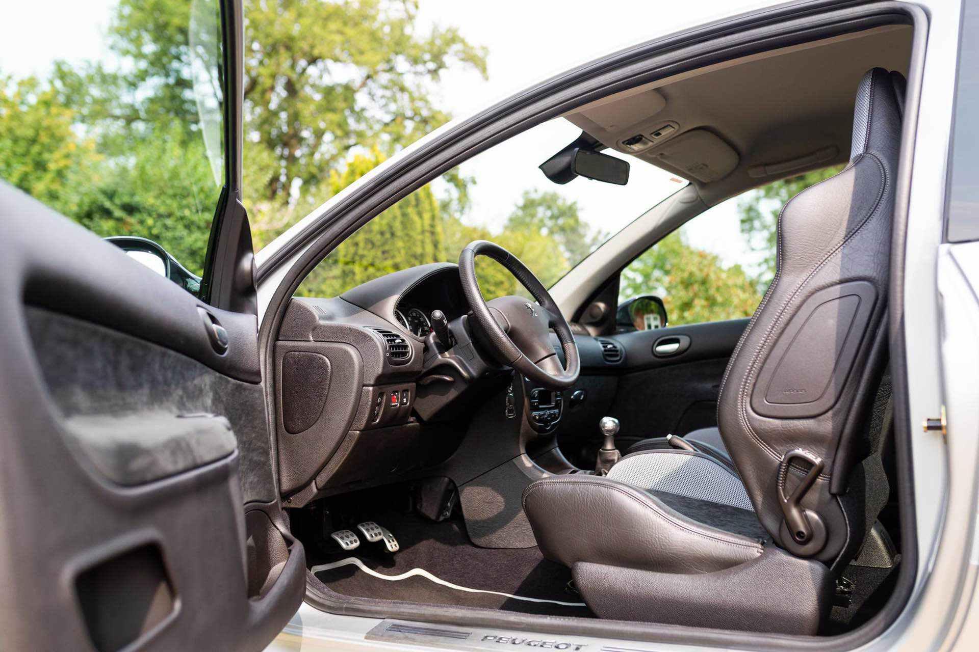 2003_Peugeot_206_RC_sale_0077