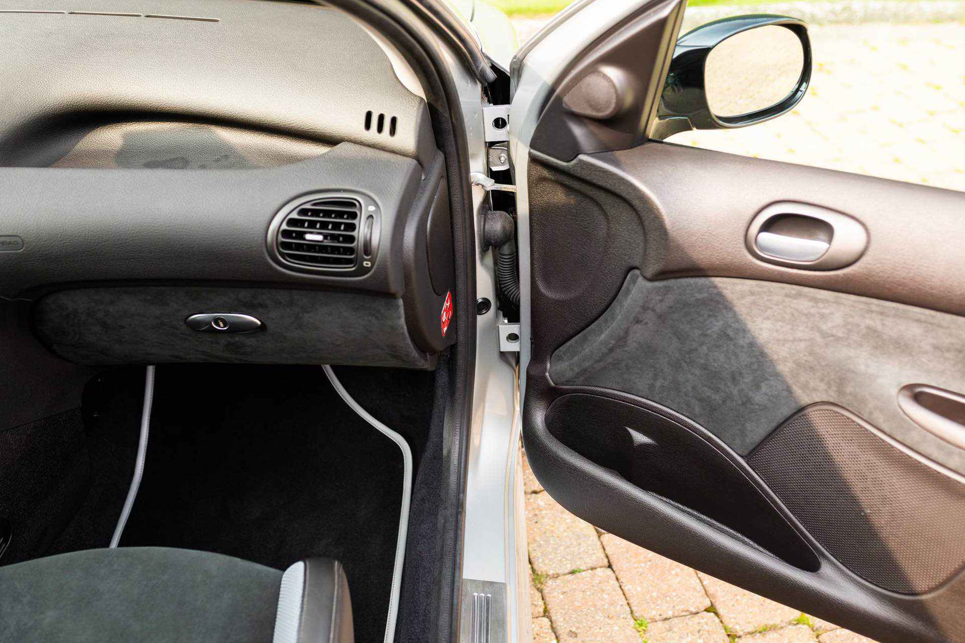 2003_Peugeot_206_RC_sale_0085