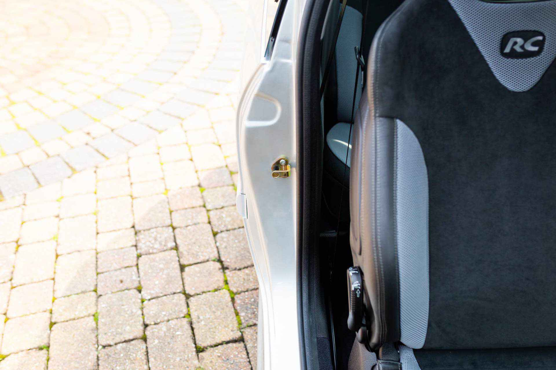 2003_Peugeot_206_RC_sale_0086