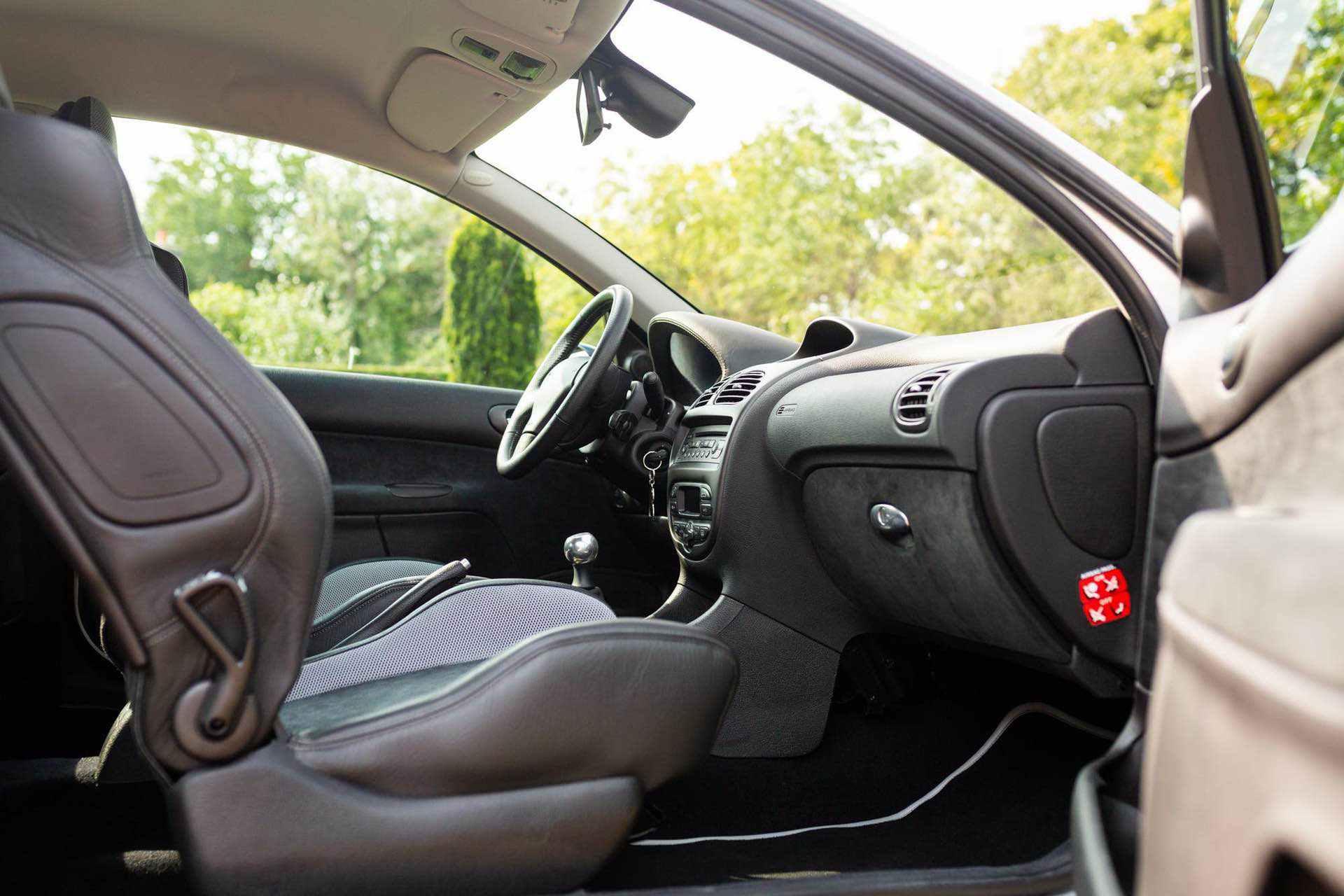 2003_Peugeot_206_RC_sale_0096