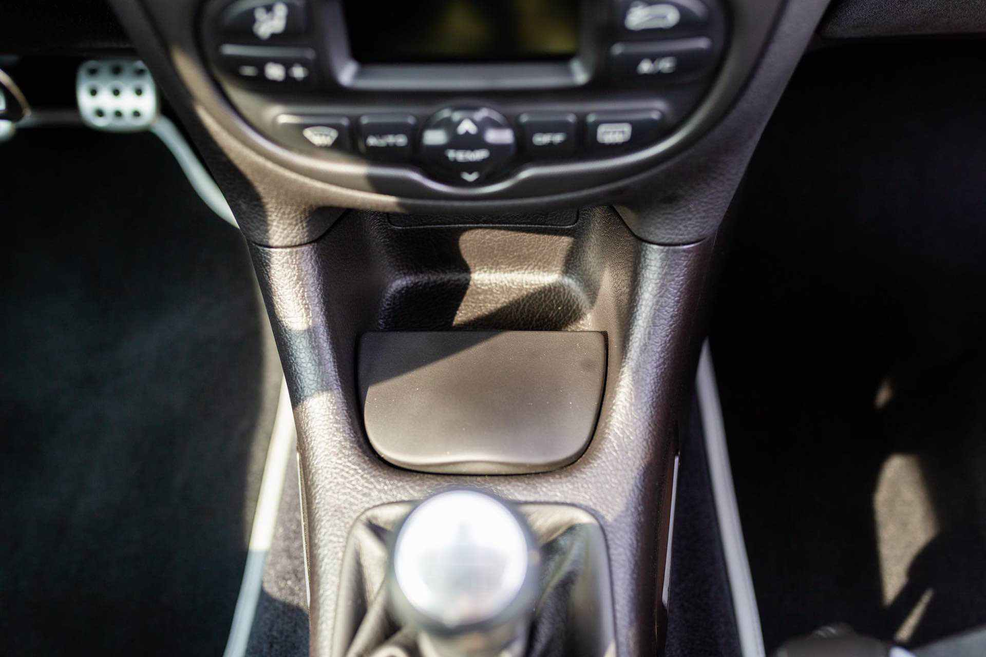 2003_Peugeot_206_RC_sale_0100
