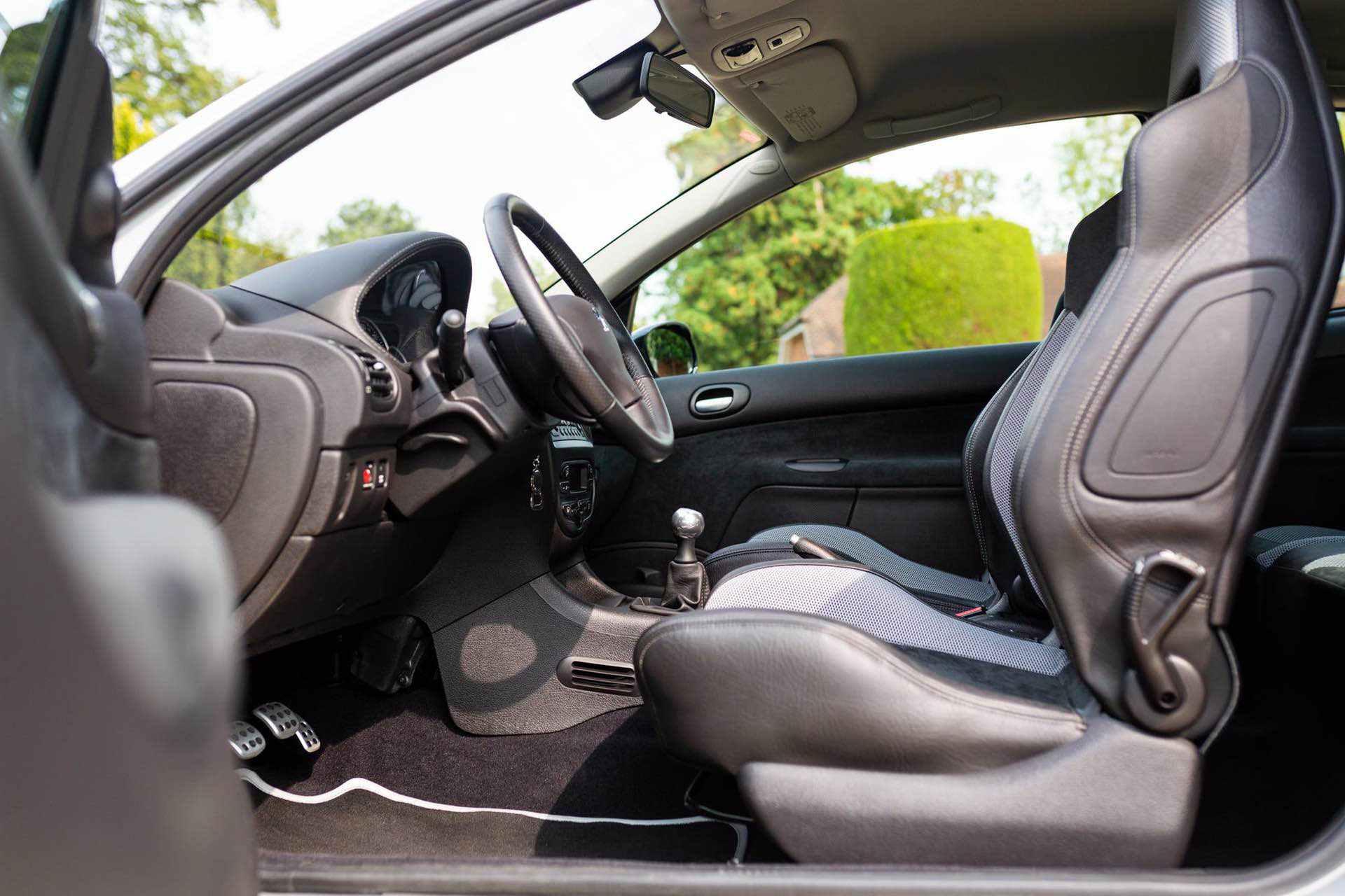2003_Peugeot_206_RC_sale_0109