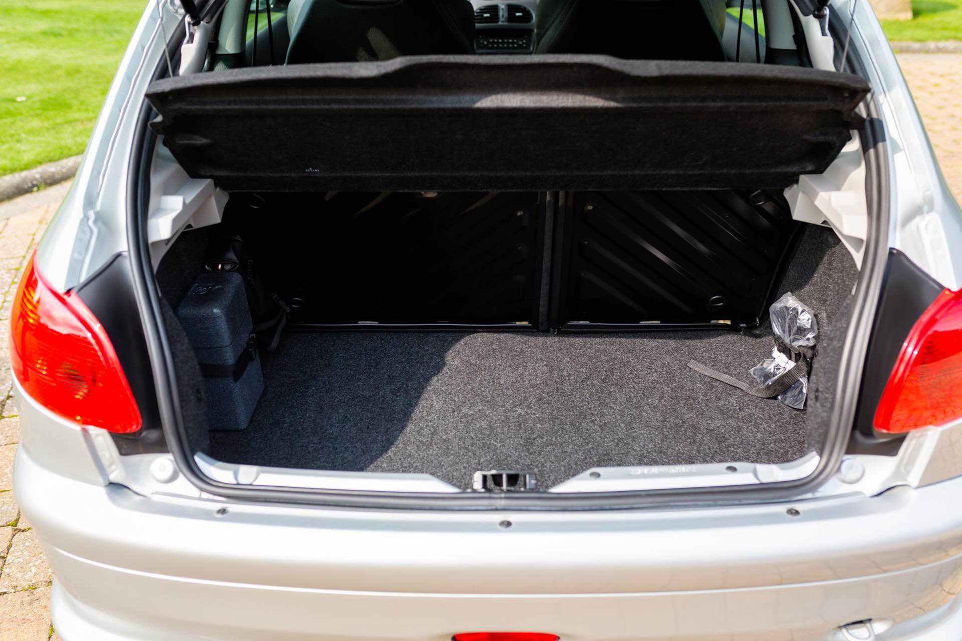 2003_Peugeot_206_RC_sale_0115