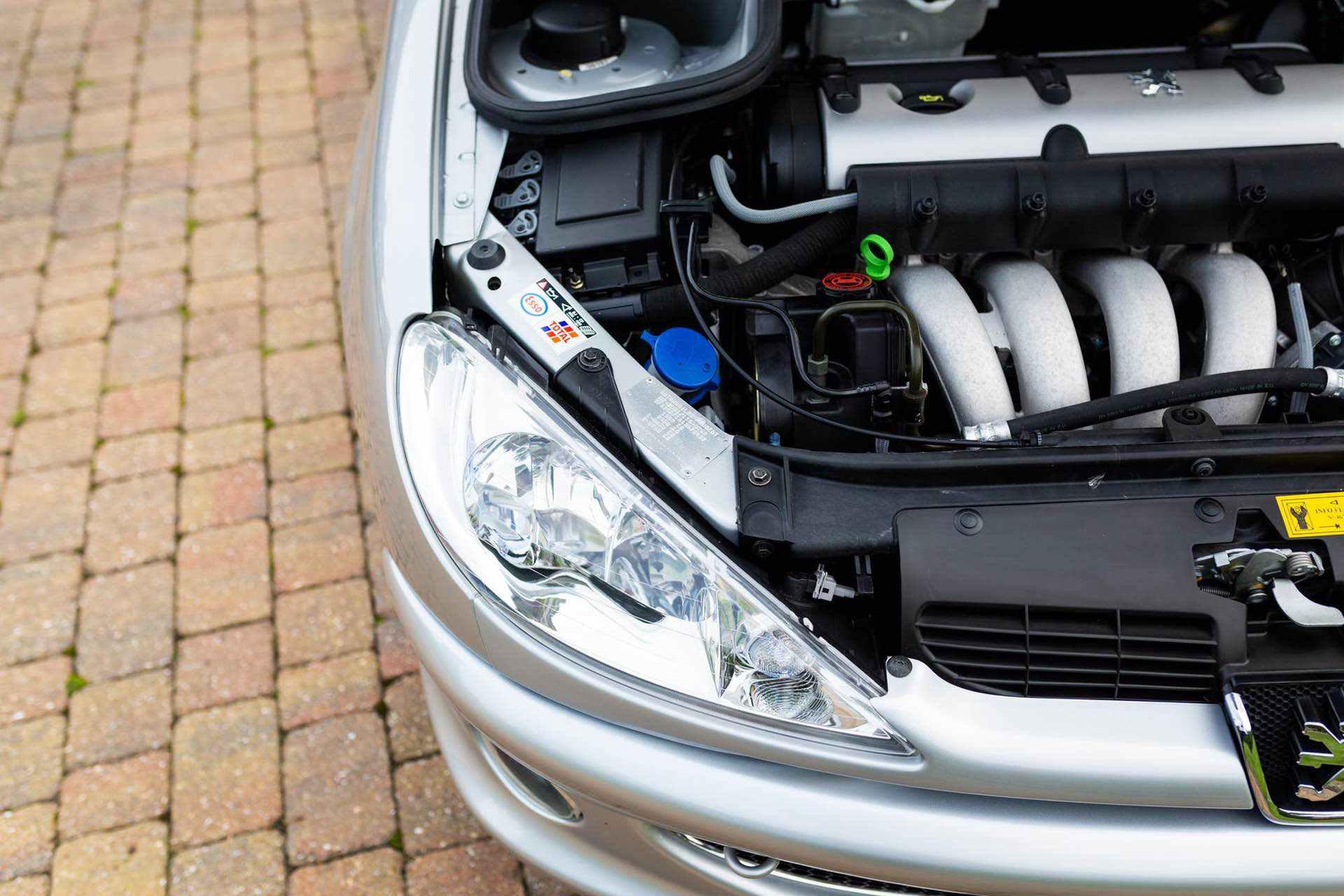 2003_Peugeot_206_RC_sale_0124