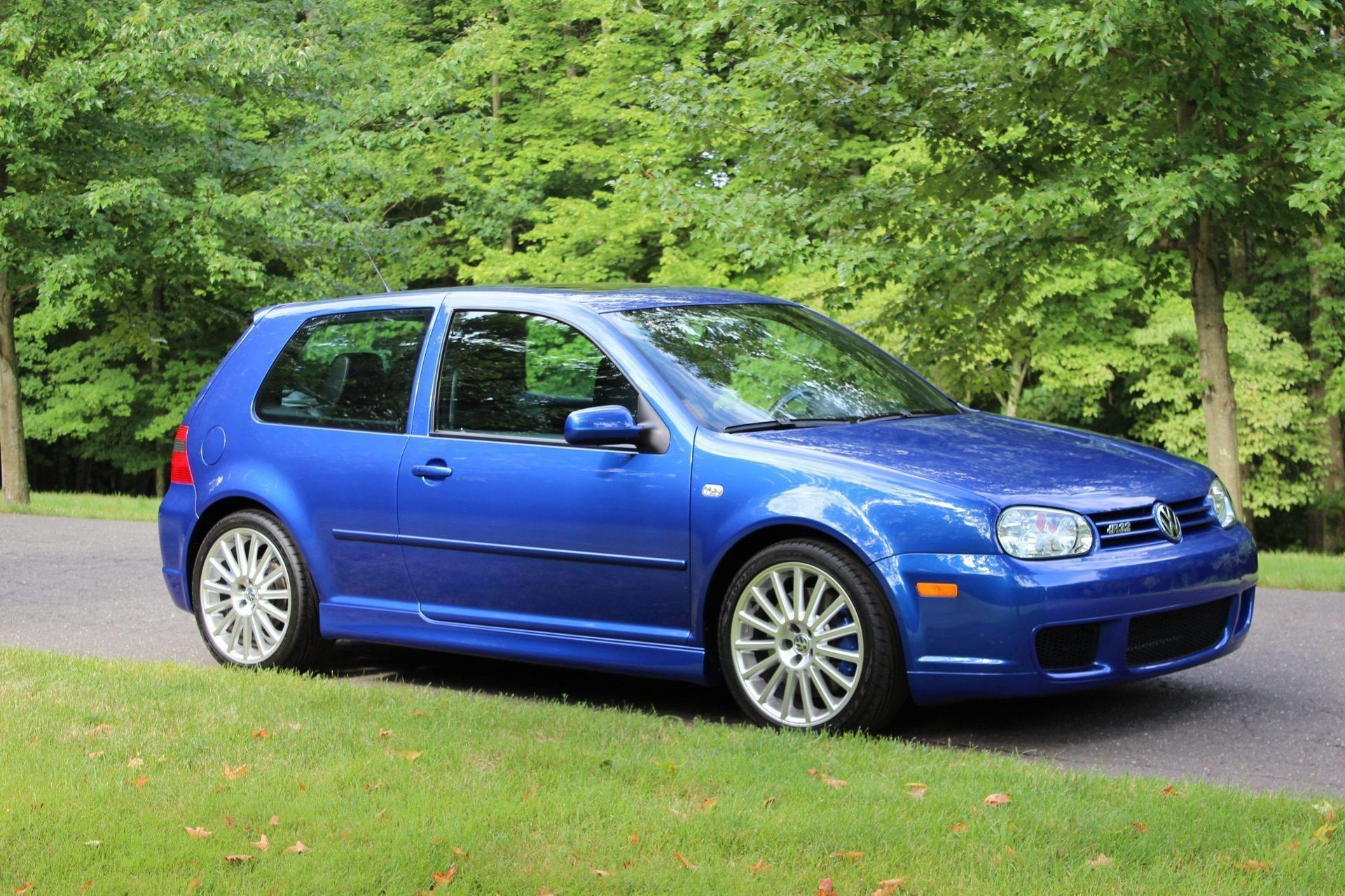 2004_VW_Golf_R32_sale_0000