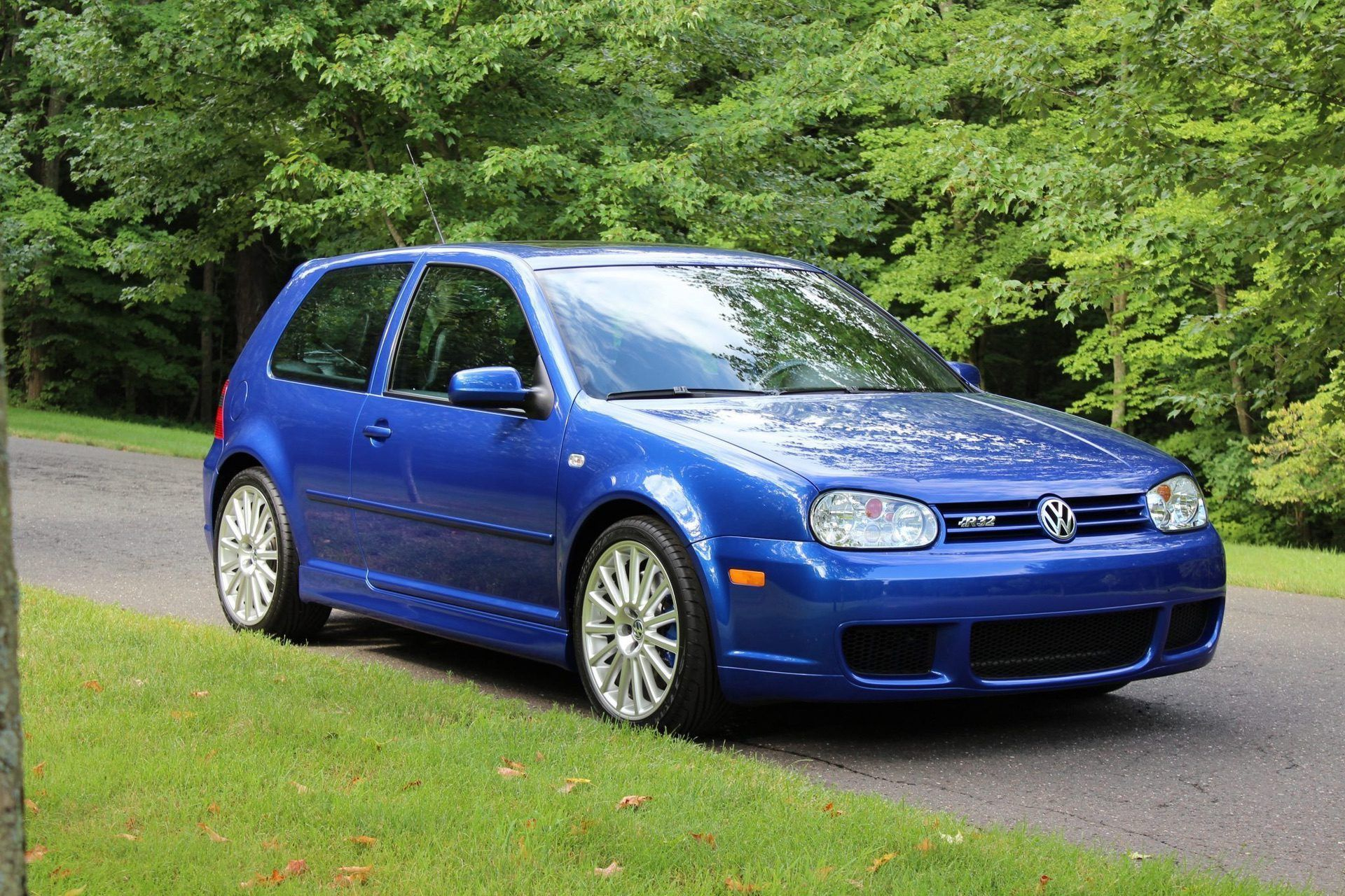 2004_VW_Golf_R32_sale_0001