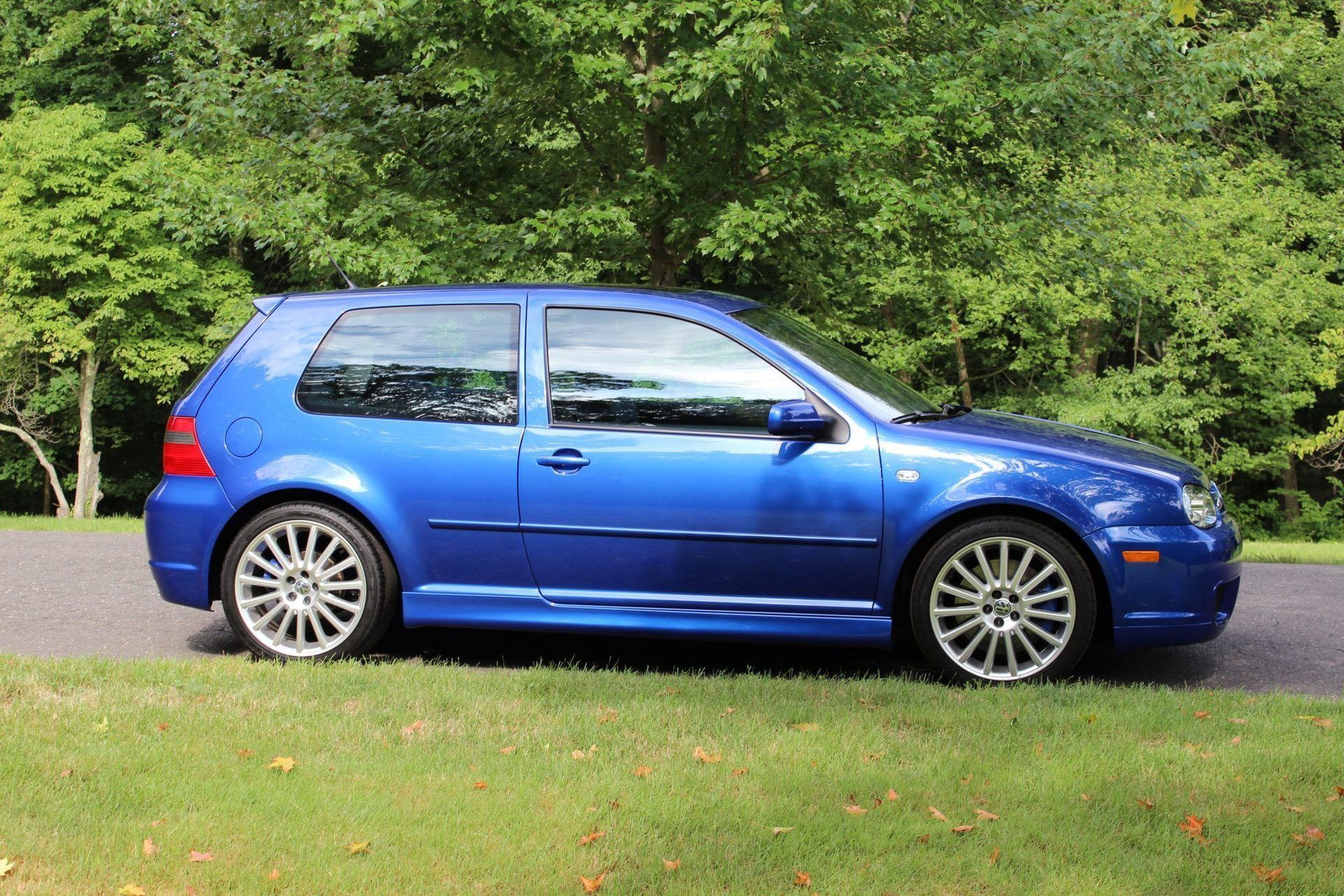 2004_VW_Golf_R32_sale_0011