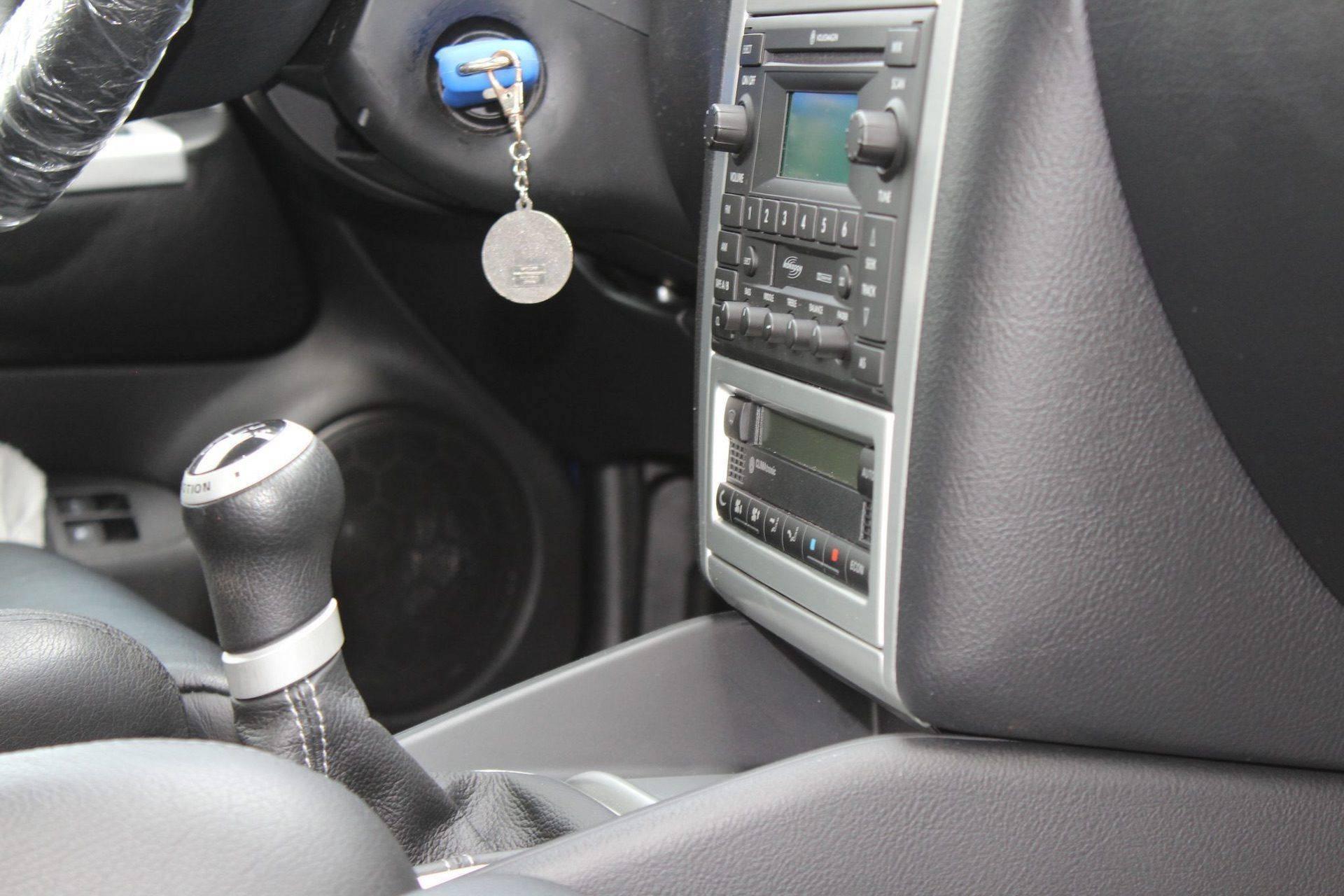 2004_VW_Golf_R32_sale_0030