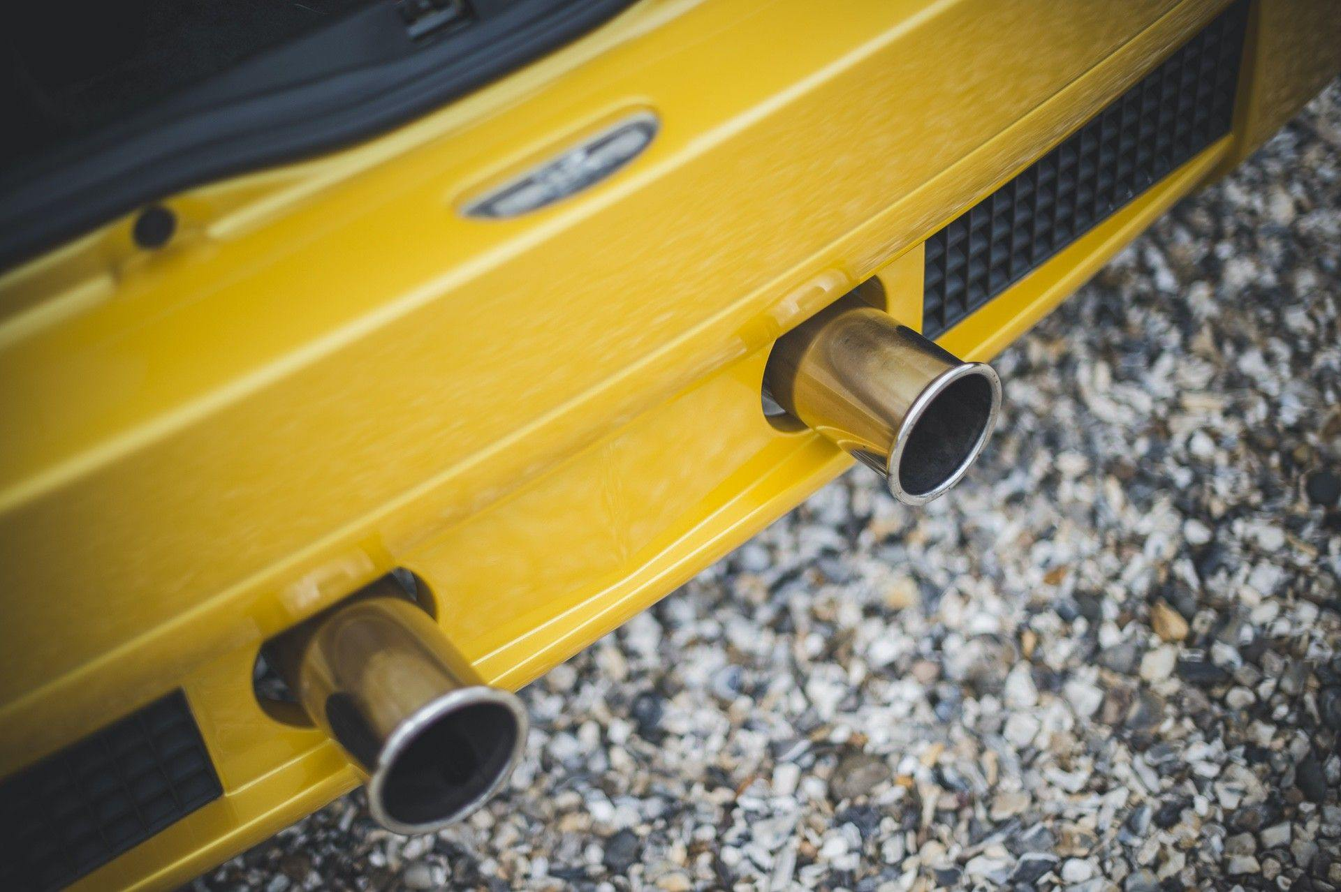 2005_Renault_Clio_V6_Phase_2_0027