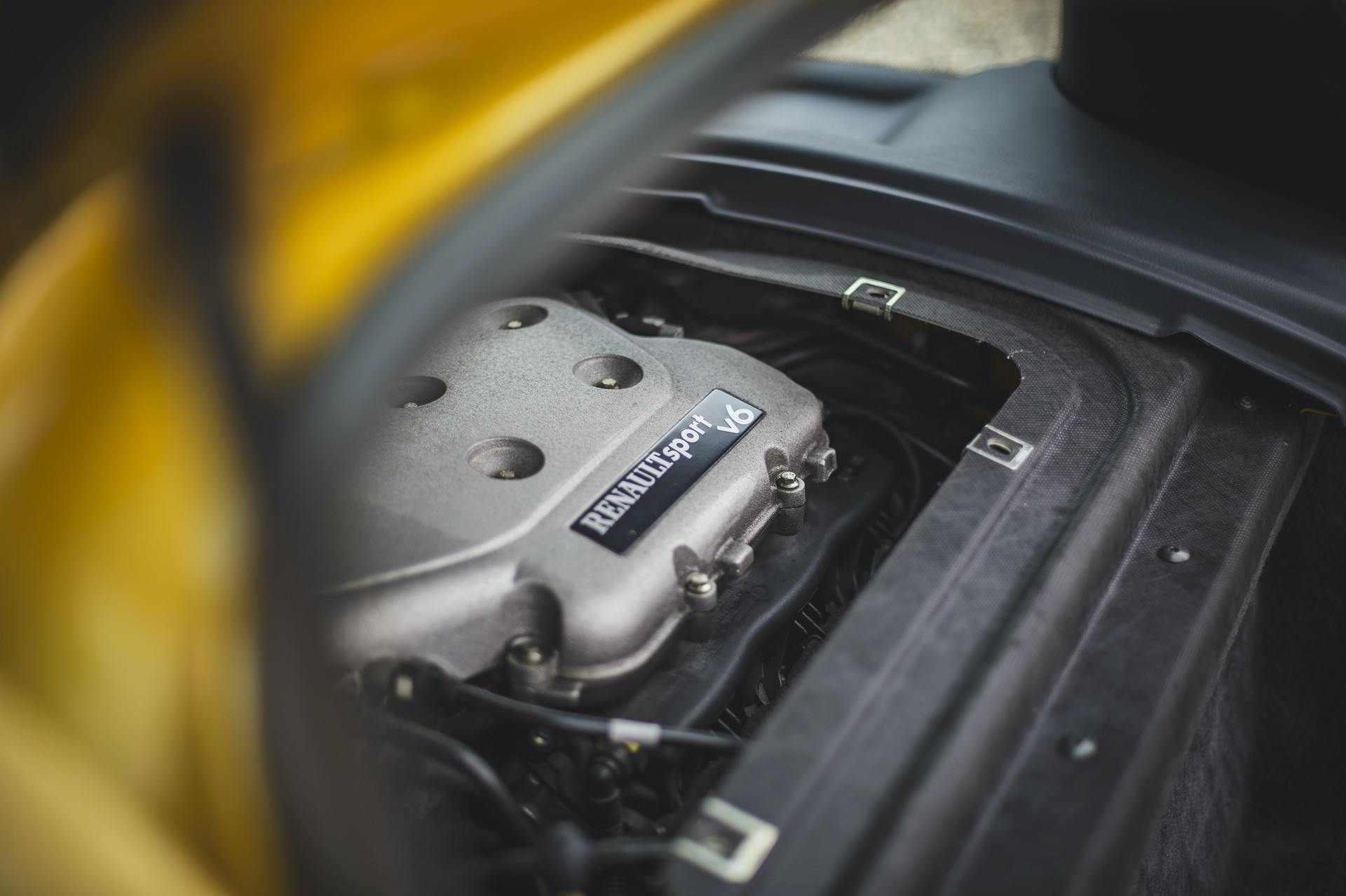 2005_Renault_Clio_V6_Phase_2_0028