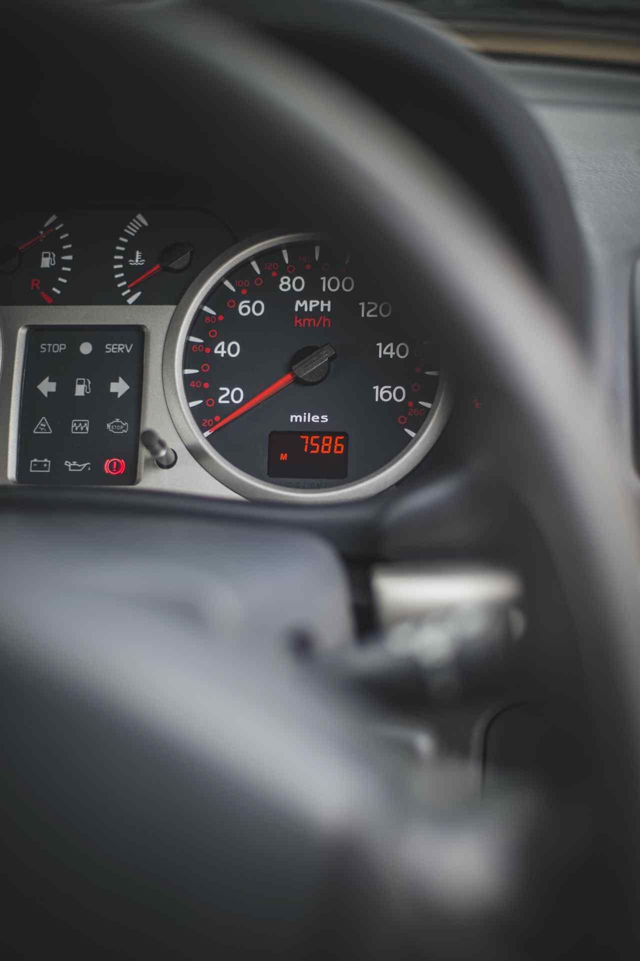 2005_Renault_Clio_V6_Phase_2_0031