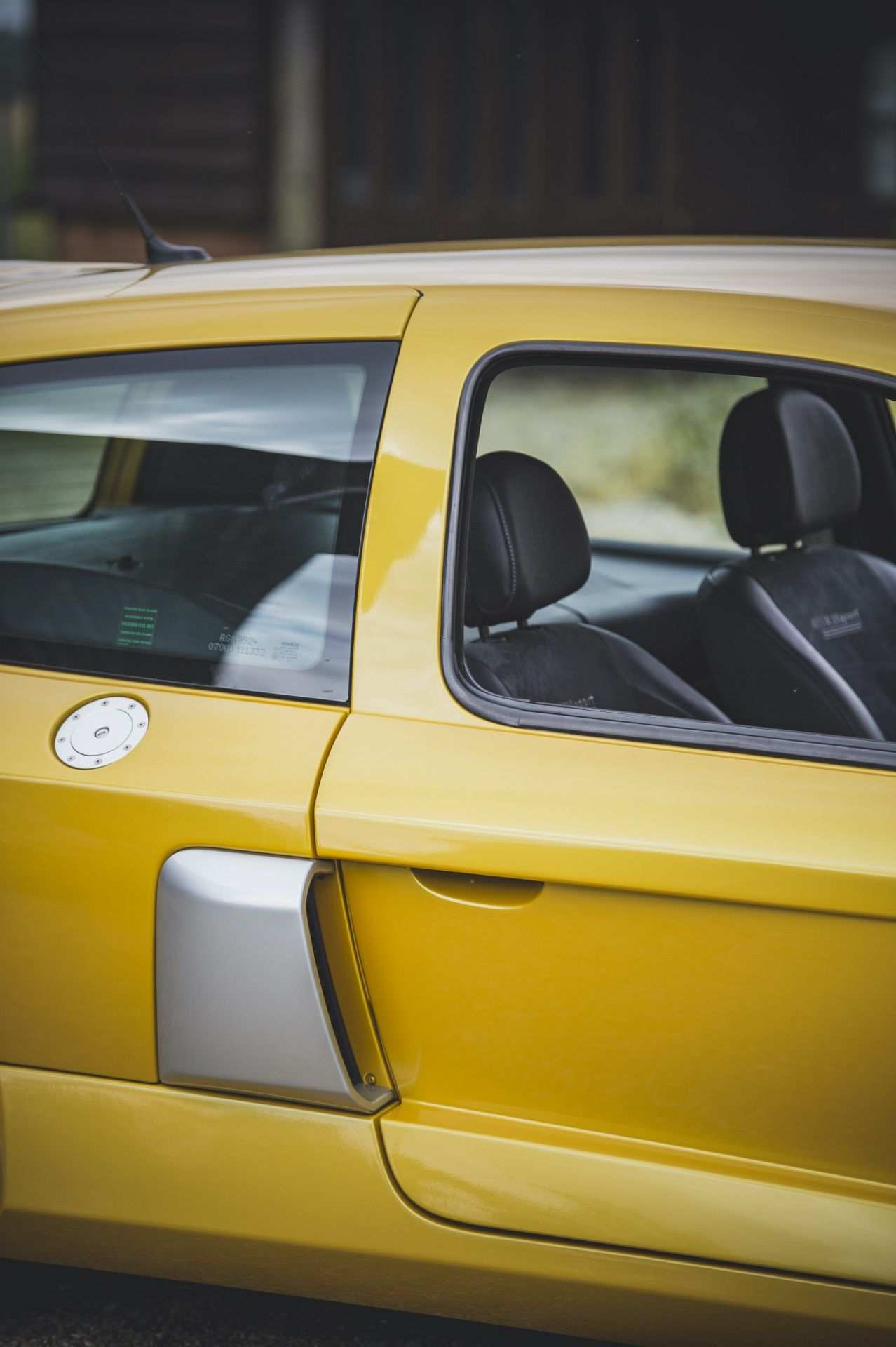 2005_Renault_Clio_V6_Phase_2_0034