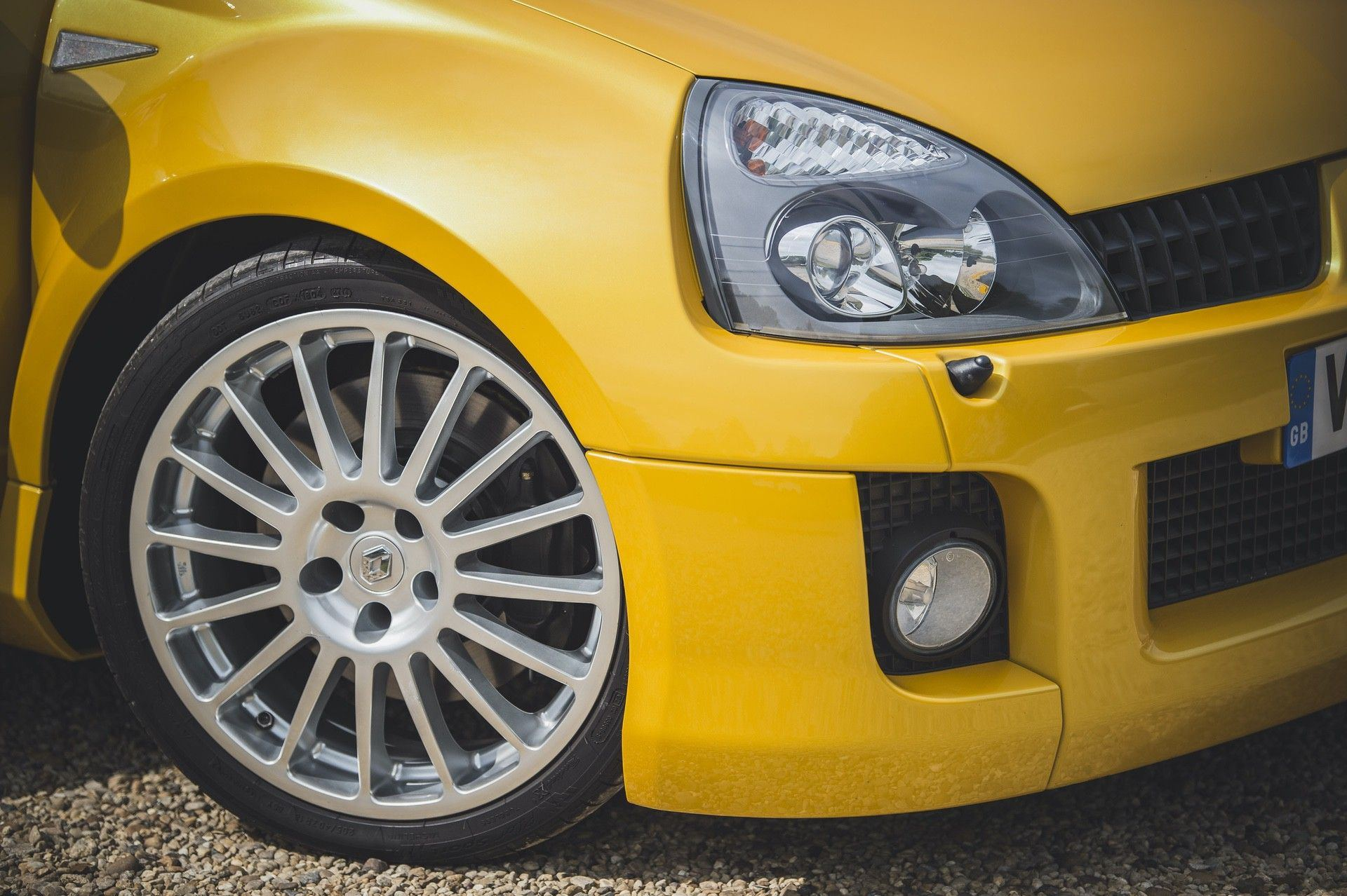 2005_Renault_Clio_V6_Phase_2_0035