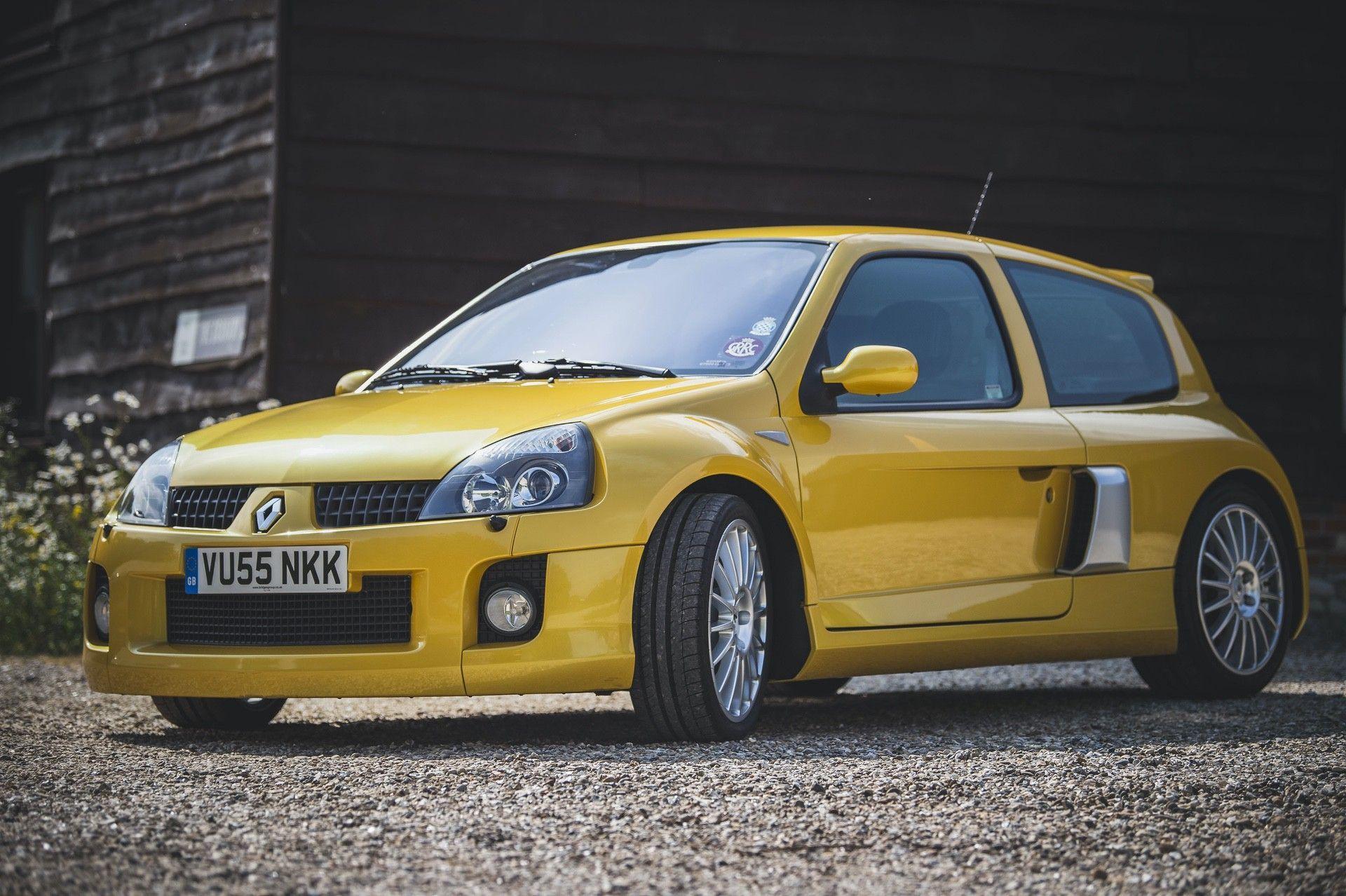2005_Renault_Clio_V6_Phase_2_0046