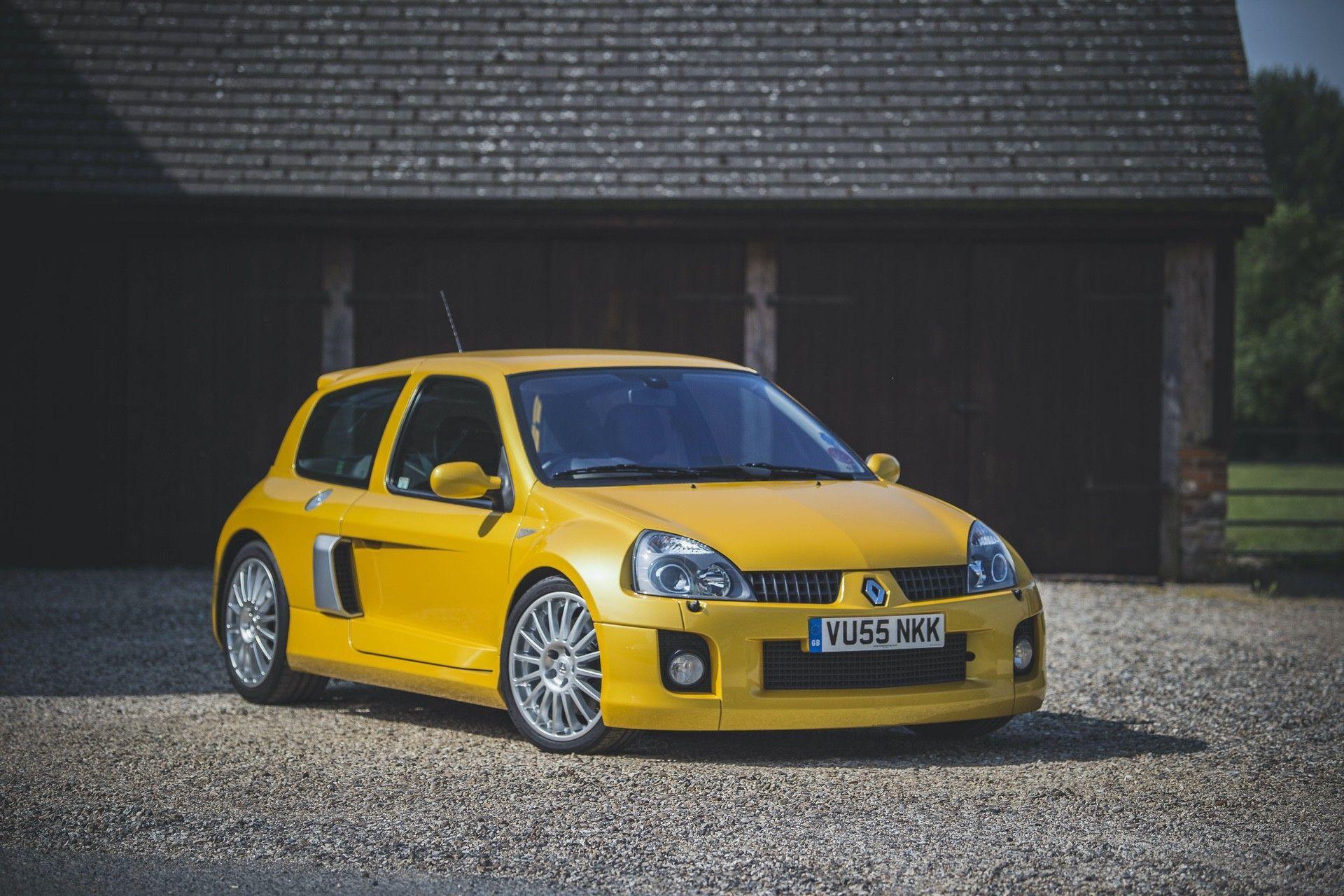 2005_Renault_Clio_V6_Phase_2_0049