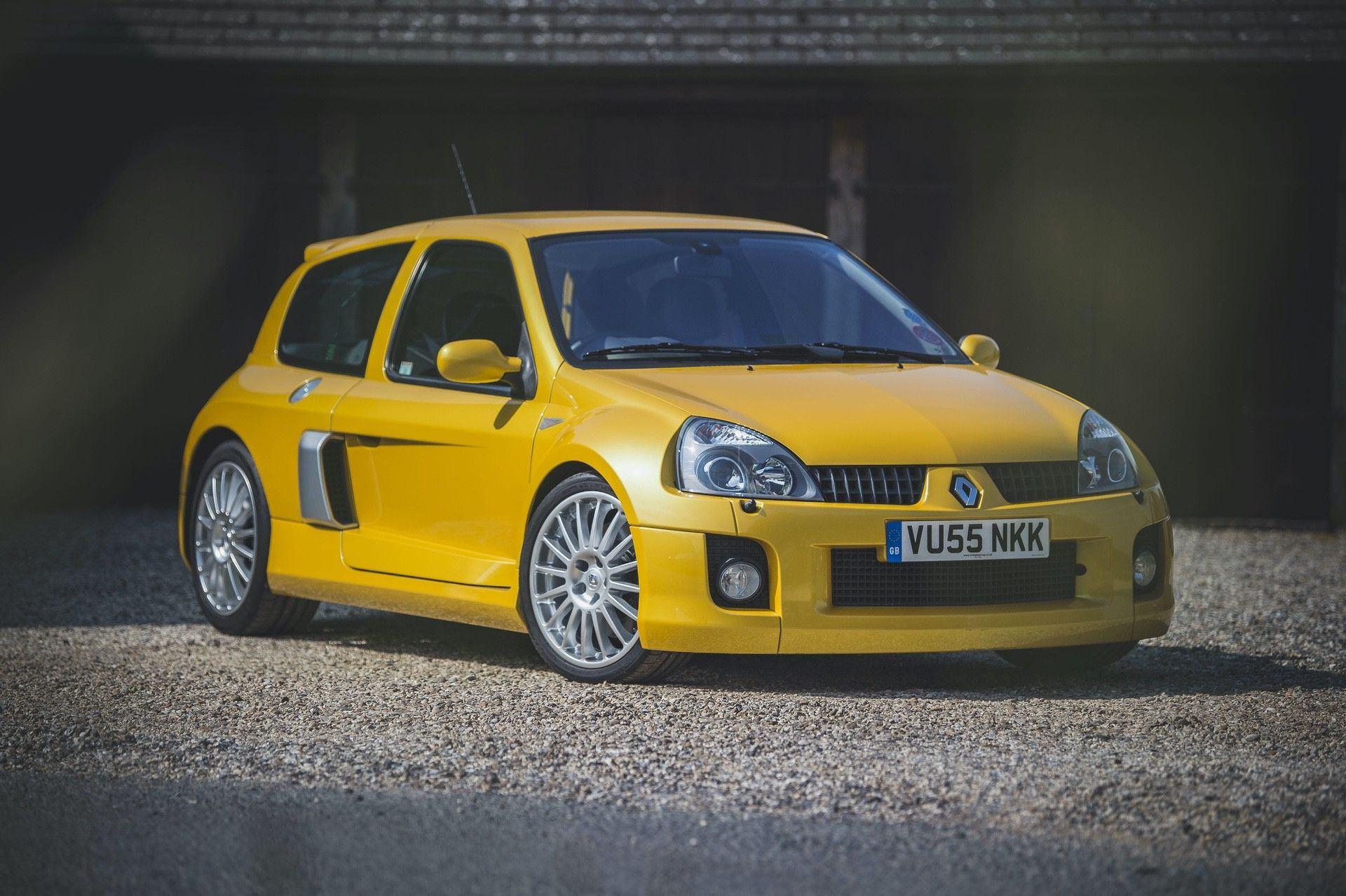 2005_Renault_Clio_V6_Phase_2_0050