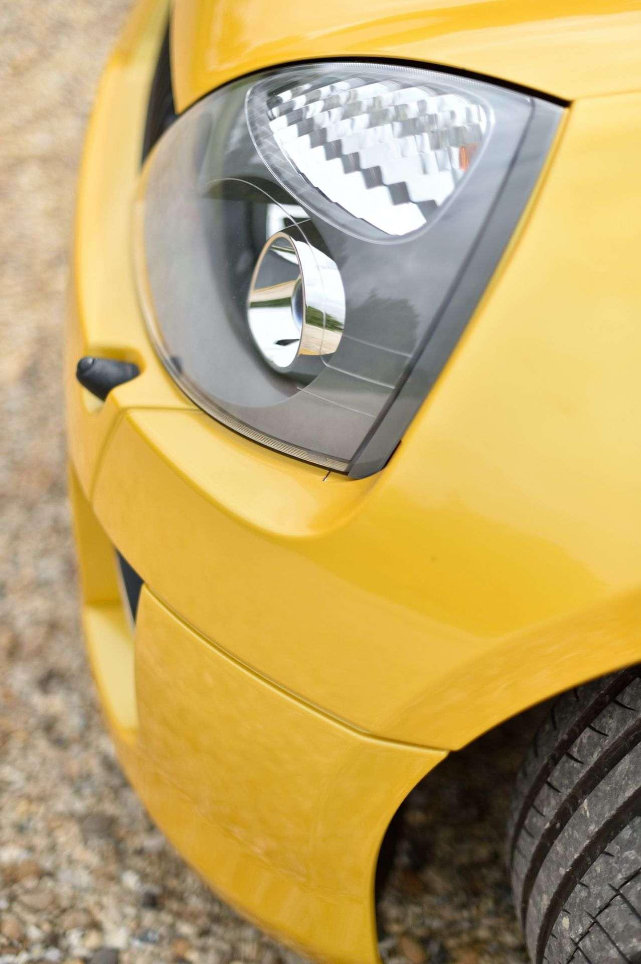 2005_Renault_Clio_V6_Phase_2_0054