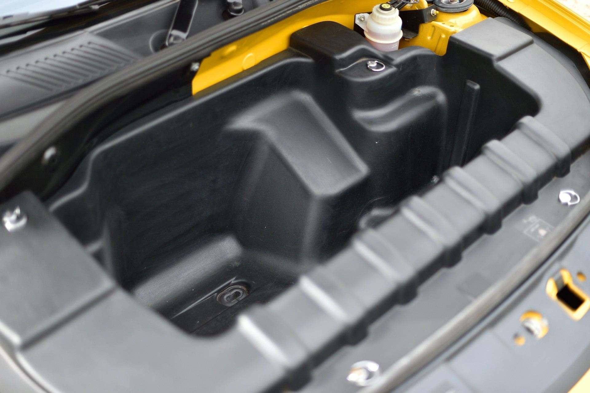 2005_Renault_Clio_V6_Phase_2_0067