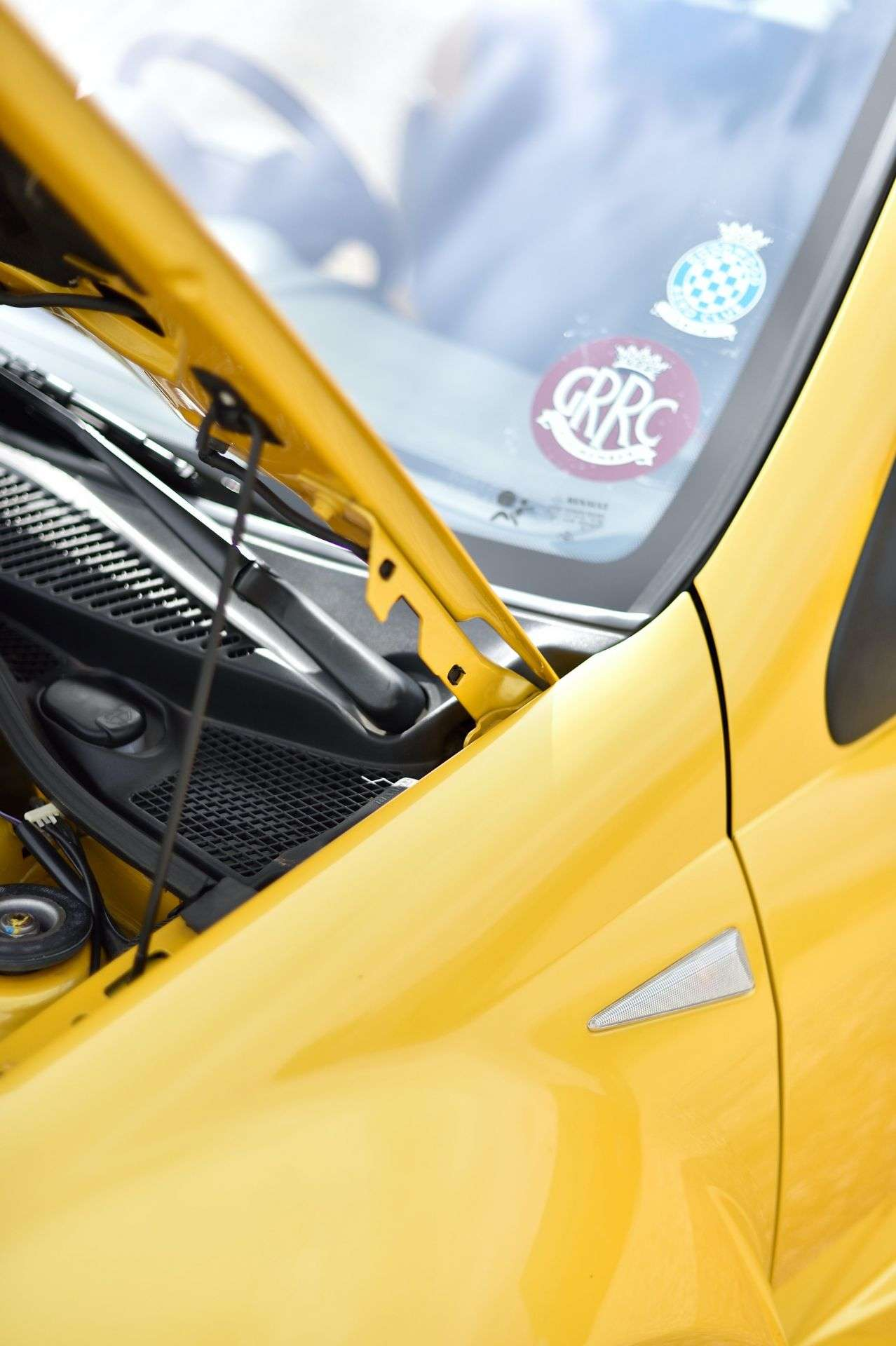 2005_Renault_Clio_V6_Phase_2_0069