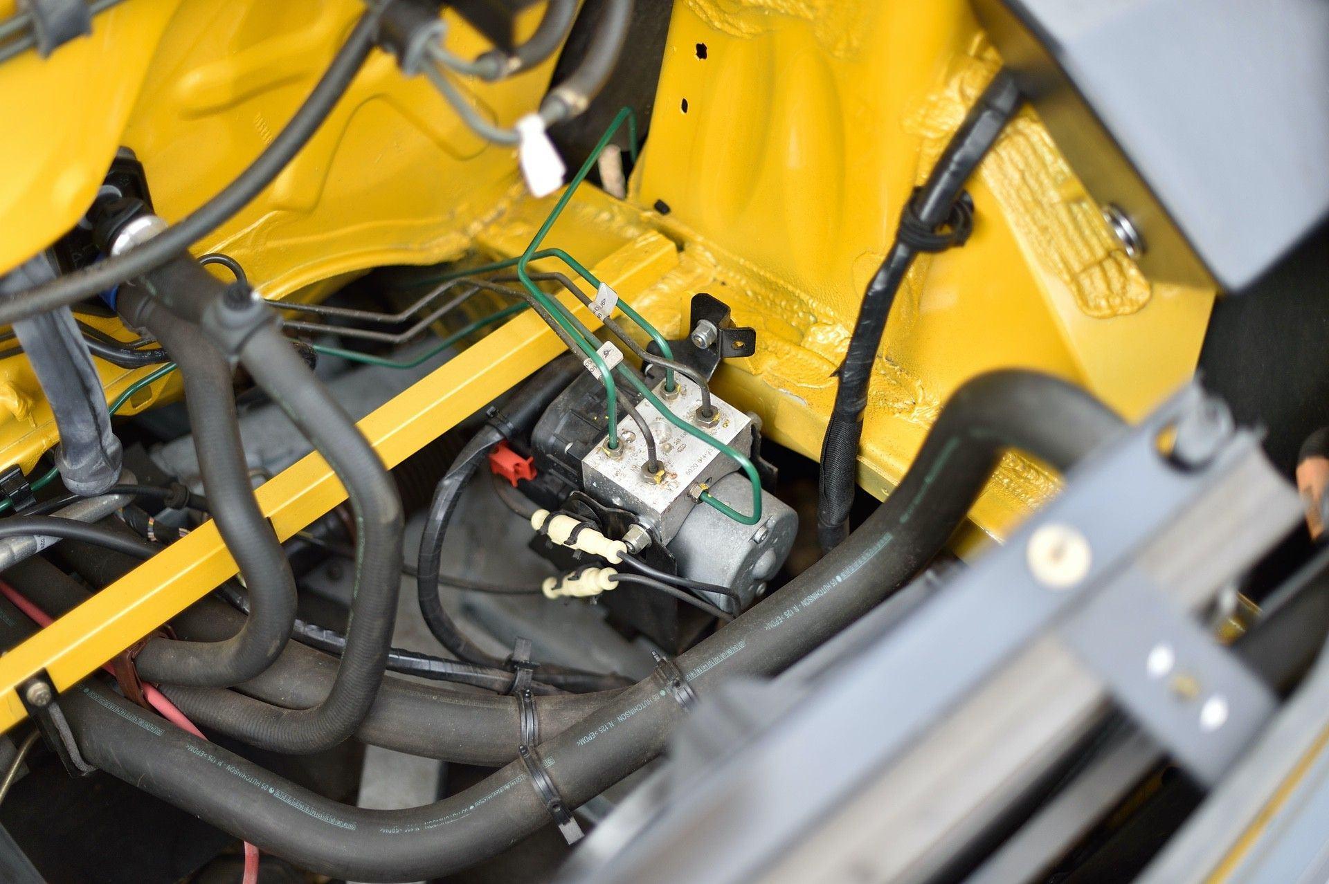 2005_Renault_Clio_V6_Phase_2_0075