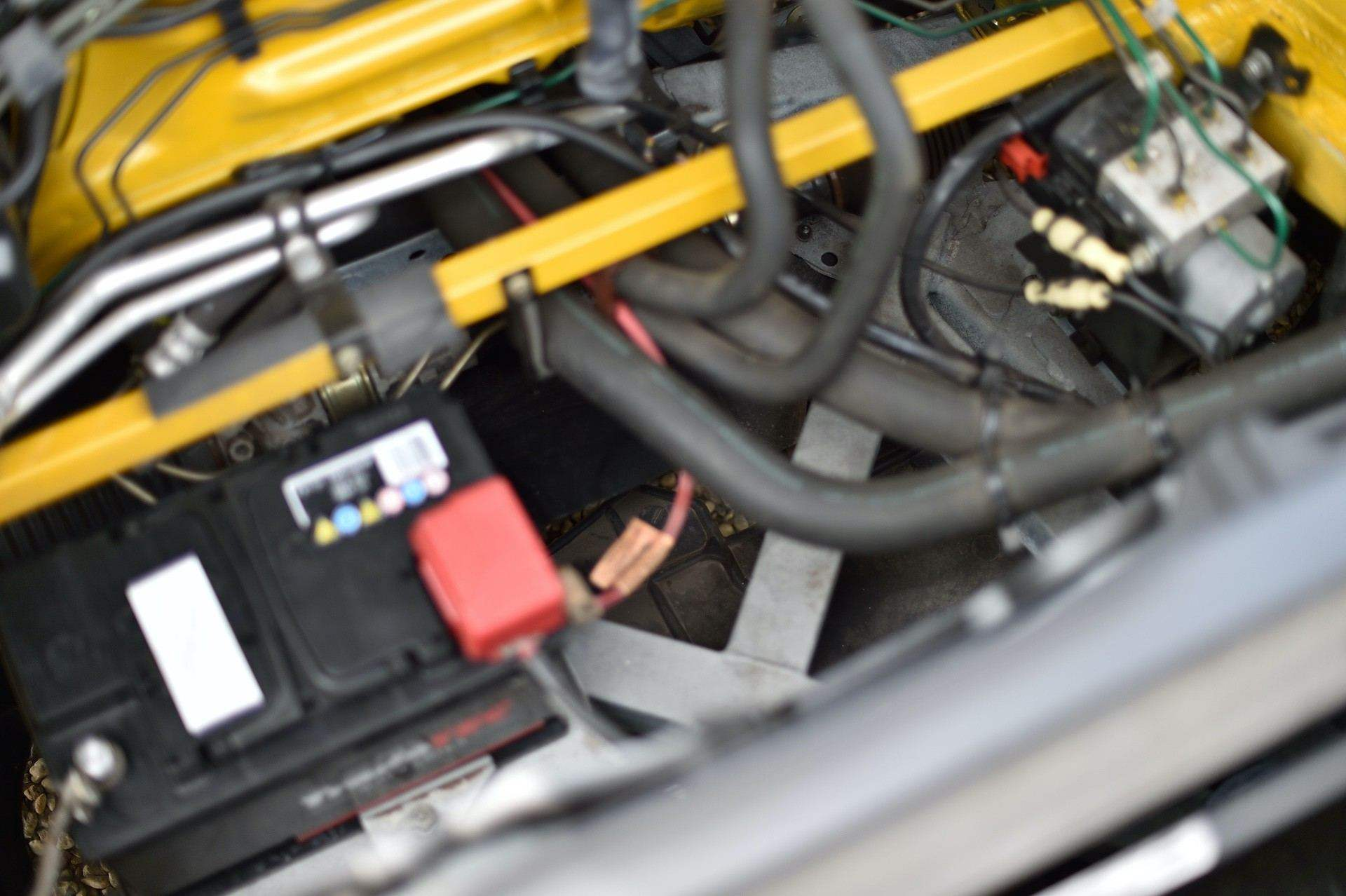 2005_Renault_Clio_V6_Phase_2_0076