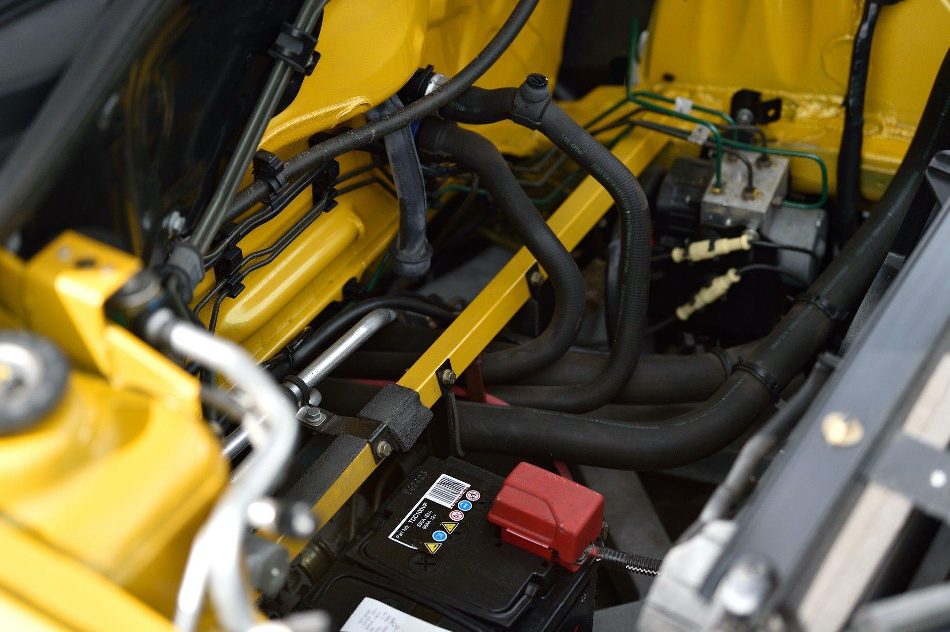 2005_Renault_Clio_V6_Phase_2_0079