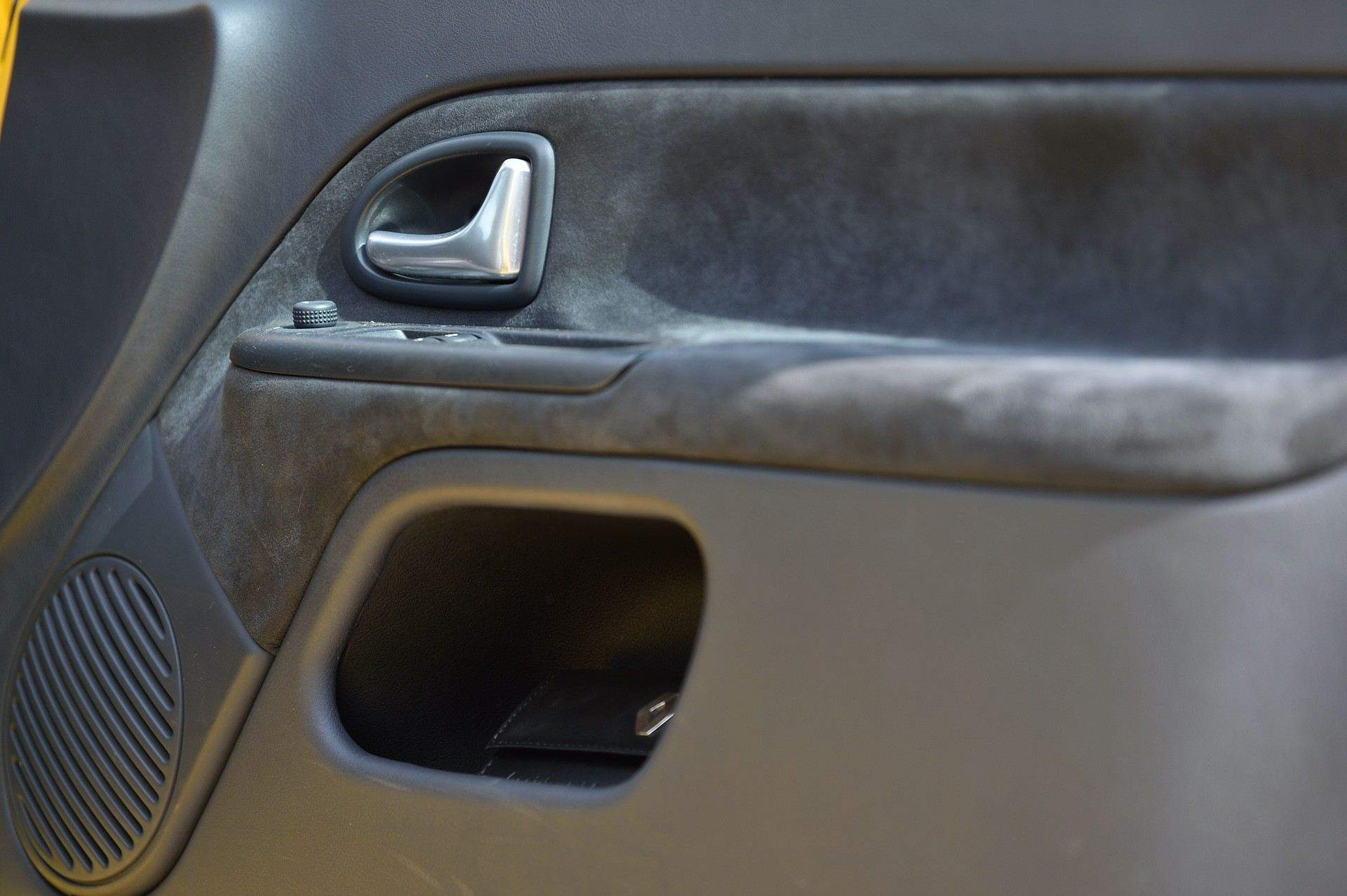 2005_Renault_Clio_V6_Phase_2_0082