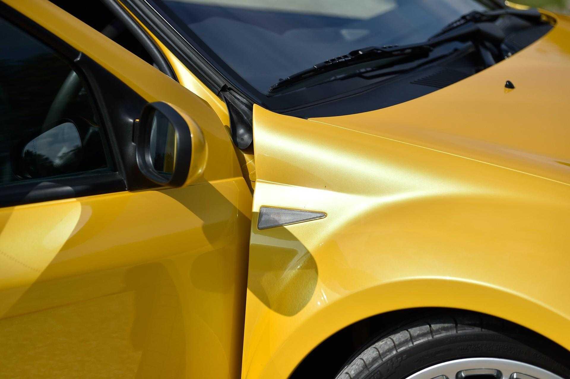 2005_Renault_Clio_V6_Phase_2_0084