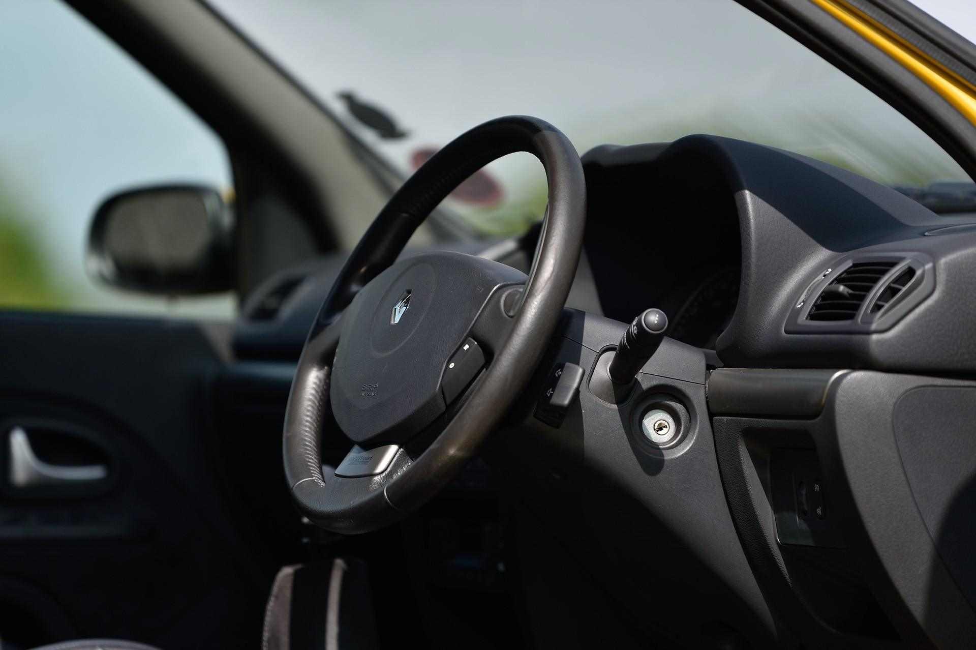 2005_Renault_Clio_V6_Phase_2_0088