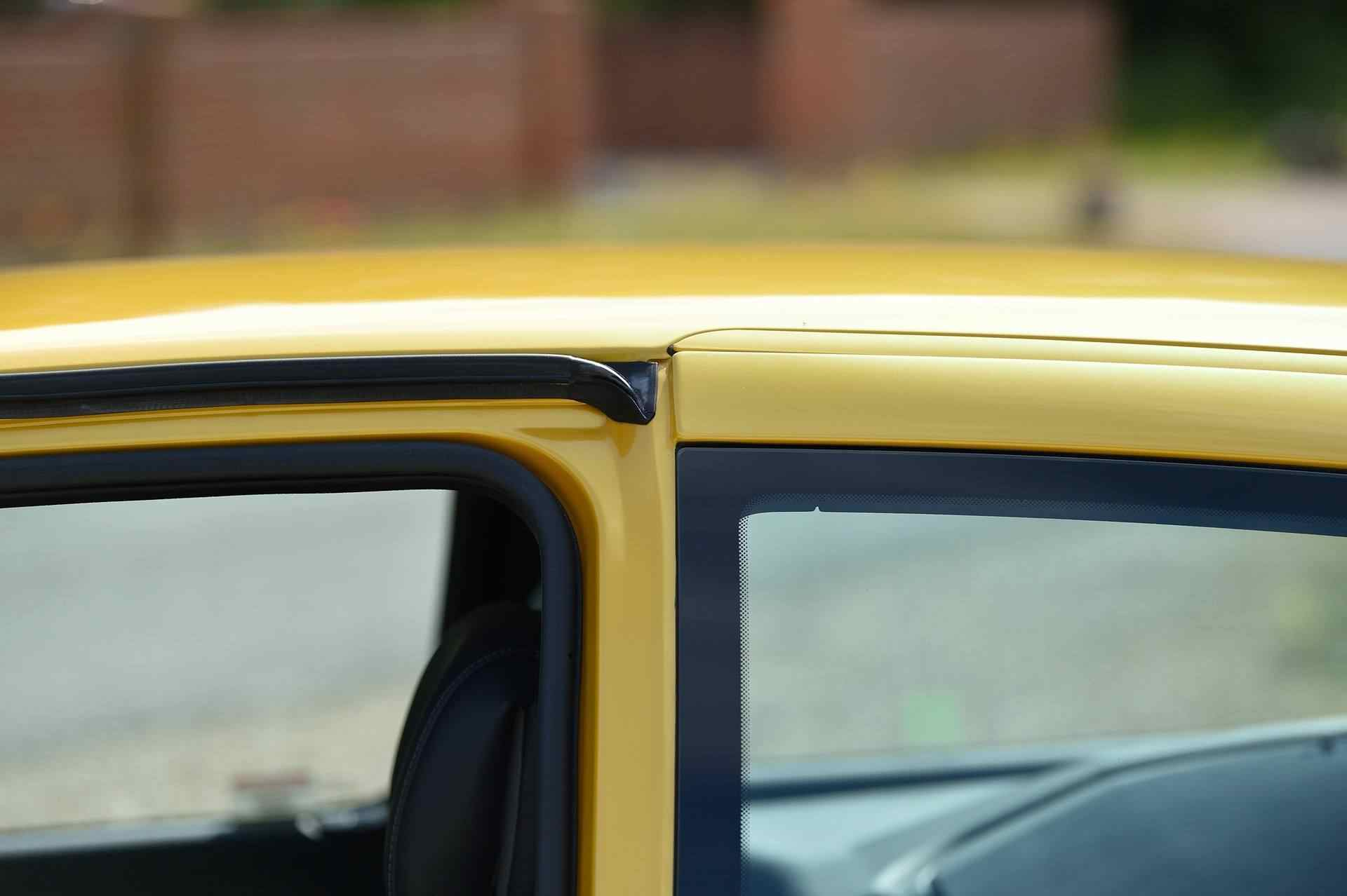 2005_Renault_Clio_V6_Phase_2_0091