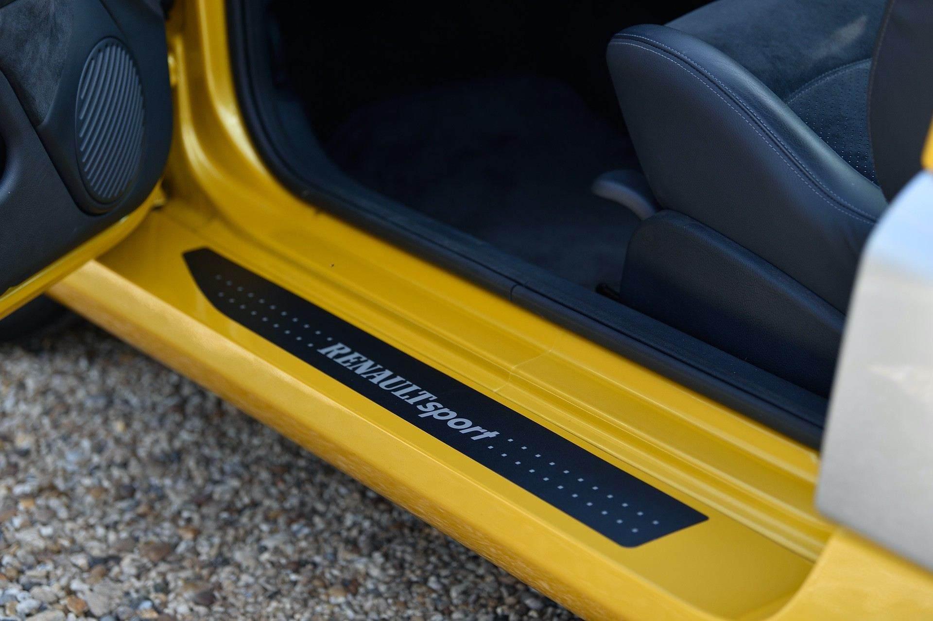 2005_Renault_Clio_V6_Phase_2_0093