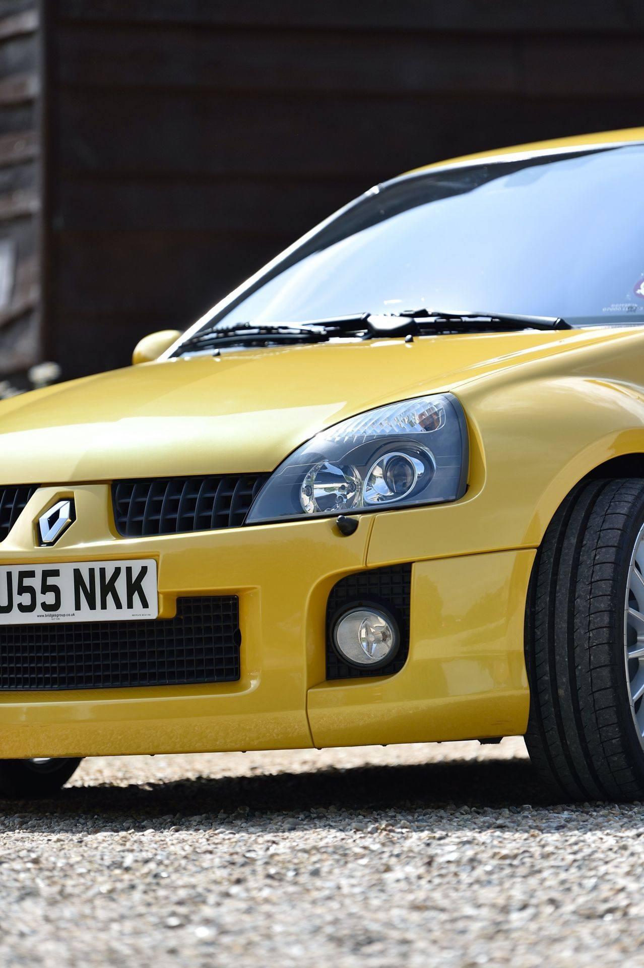2005_Renault_Clio_V6_Phase_2_0097