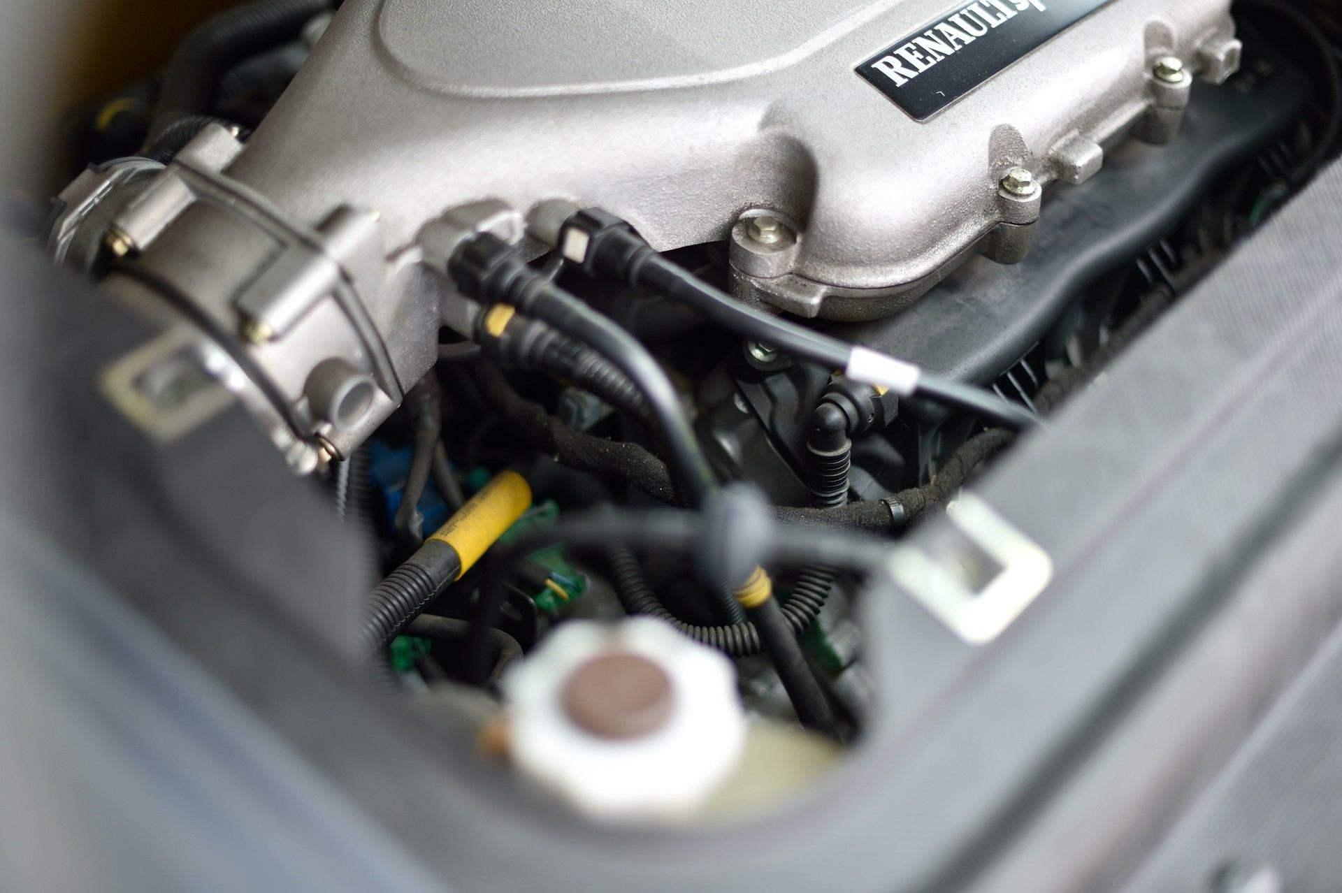 2005_Renault_Clio_V6_Phase_2_0118