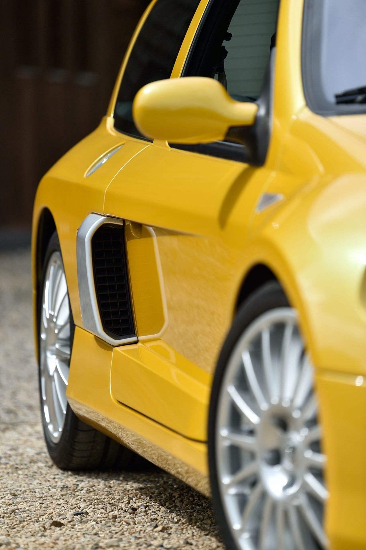2005_Renault_Clio_V6_Phase_2_0134