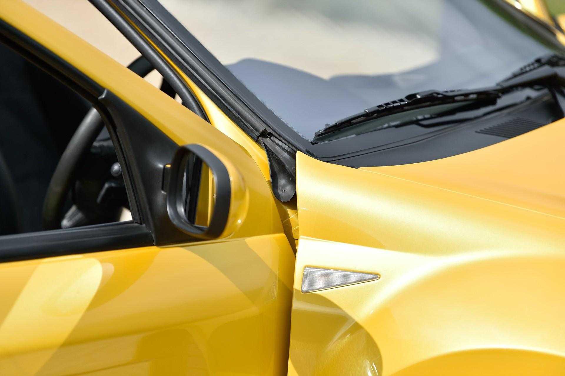 2005_Renault_Clio_V6_Phase_2_0135