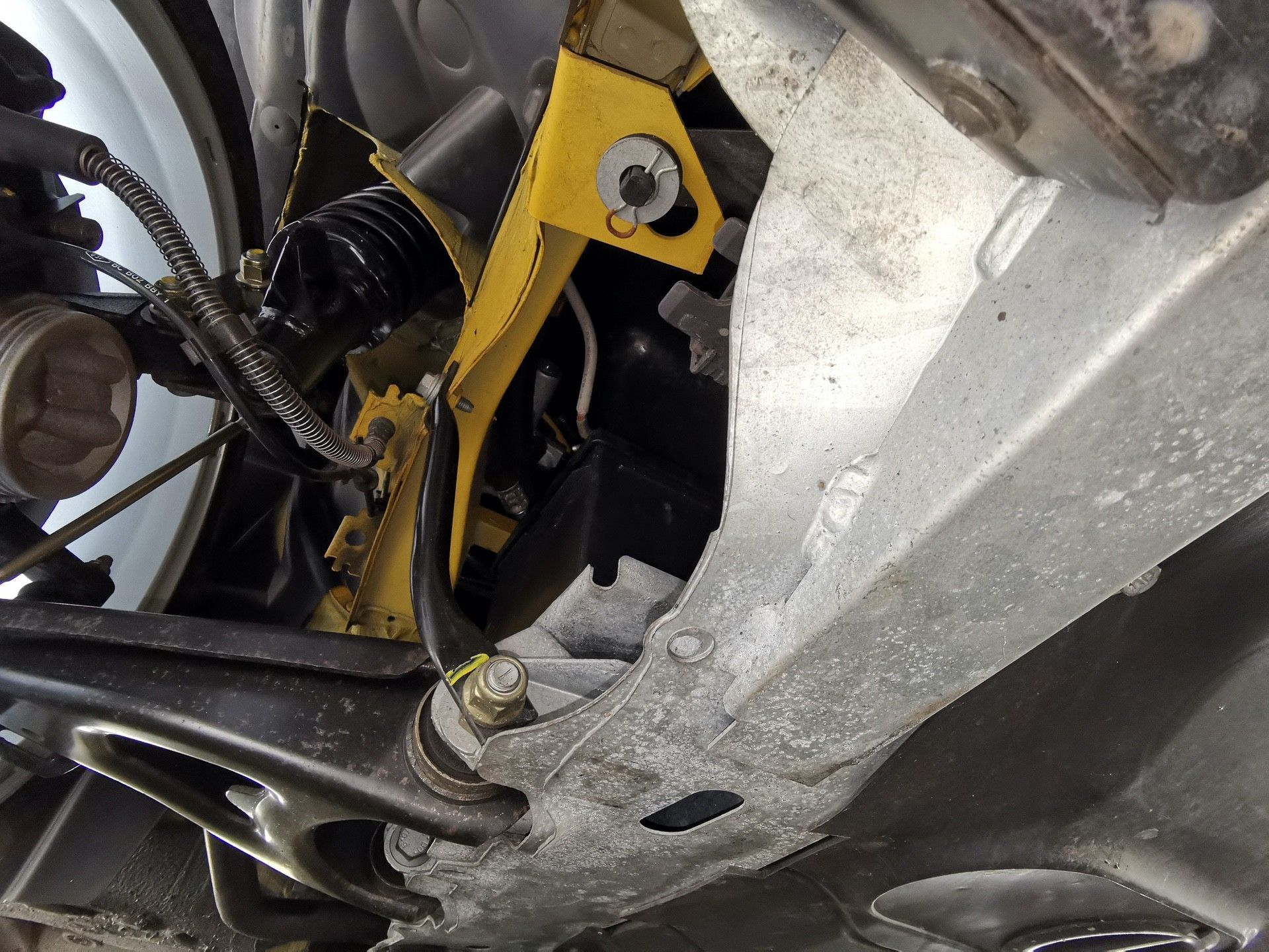 2005_Renault_Clio_V6_Phase_2_0143