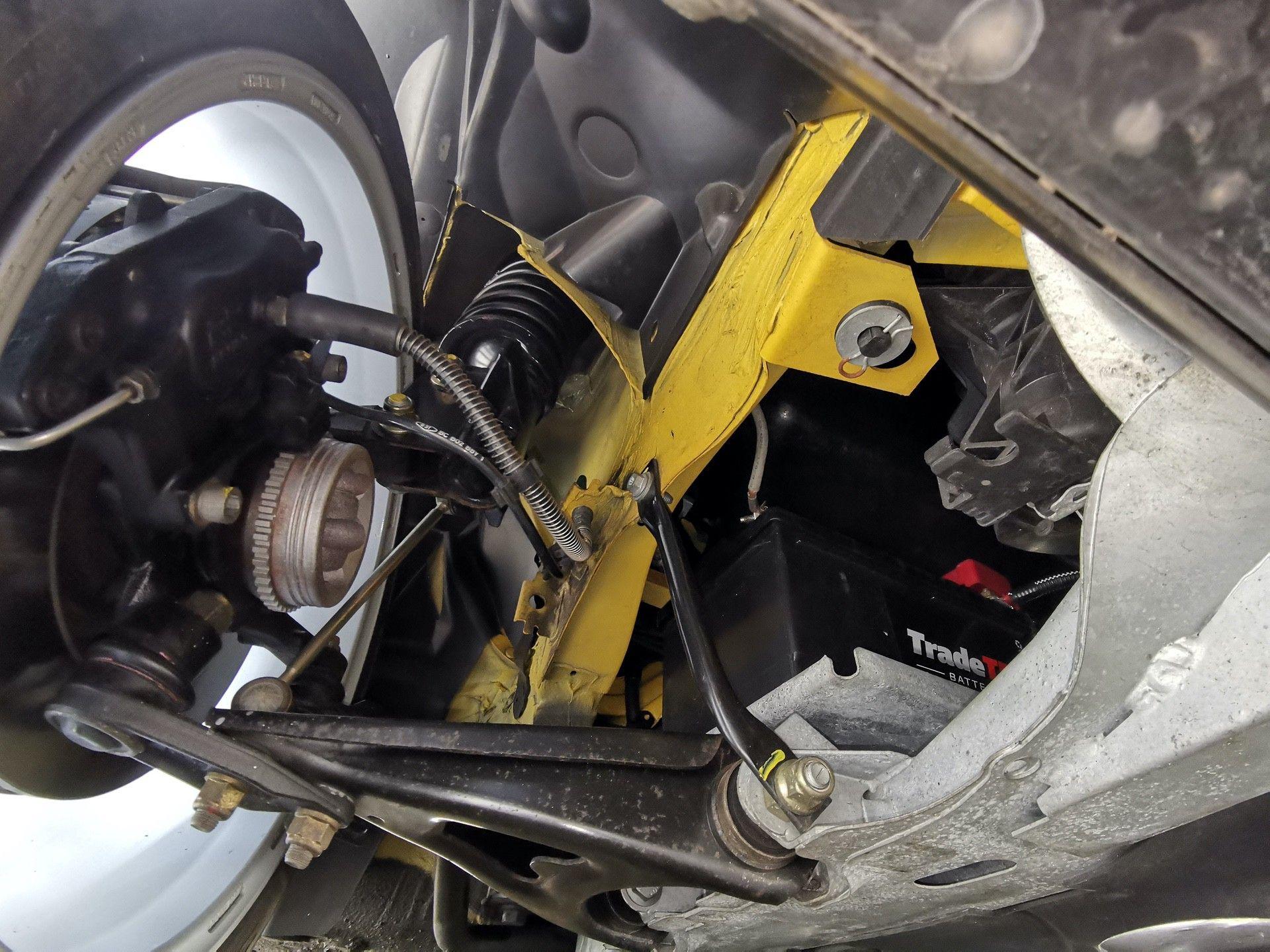2005_Renault_Clio_V6_Phase_2_0144