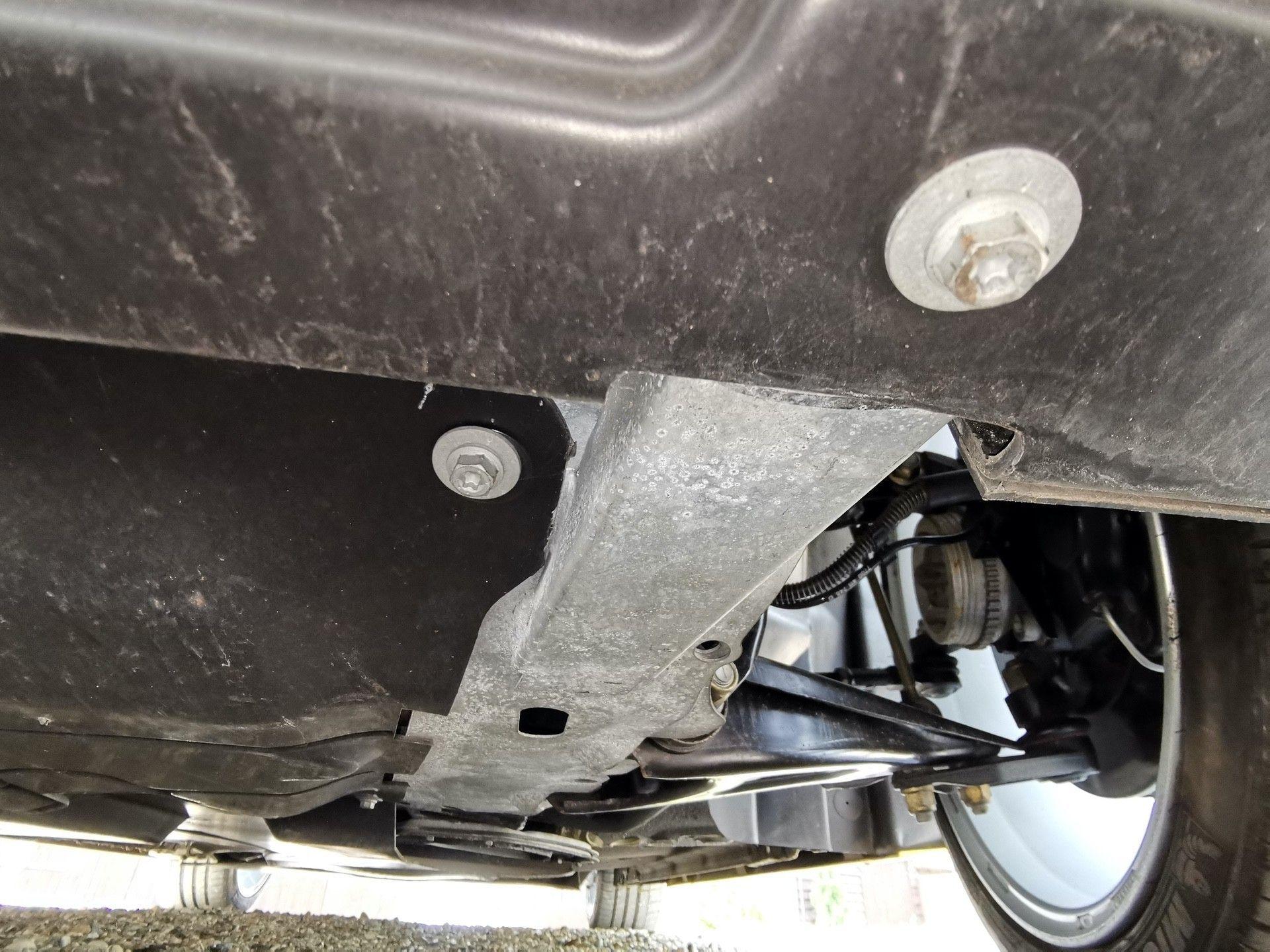 2005_Renault_Clio_V6_Phase_2_0148