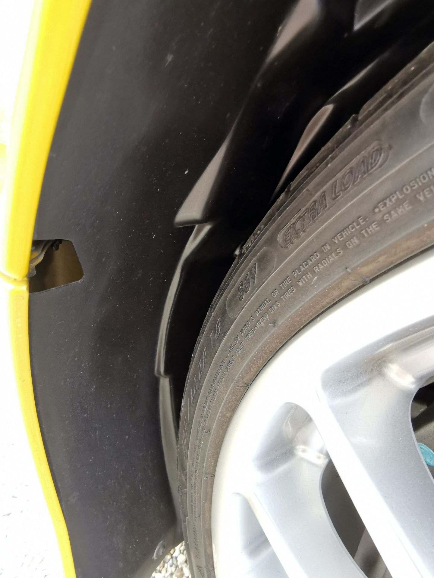 2005_Renault_Clio_V6_Phase_2_0149