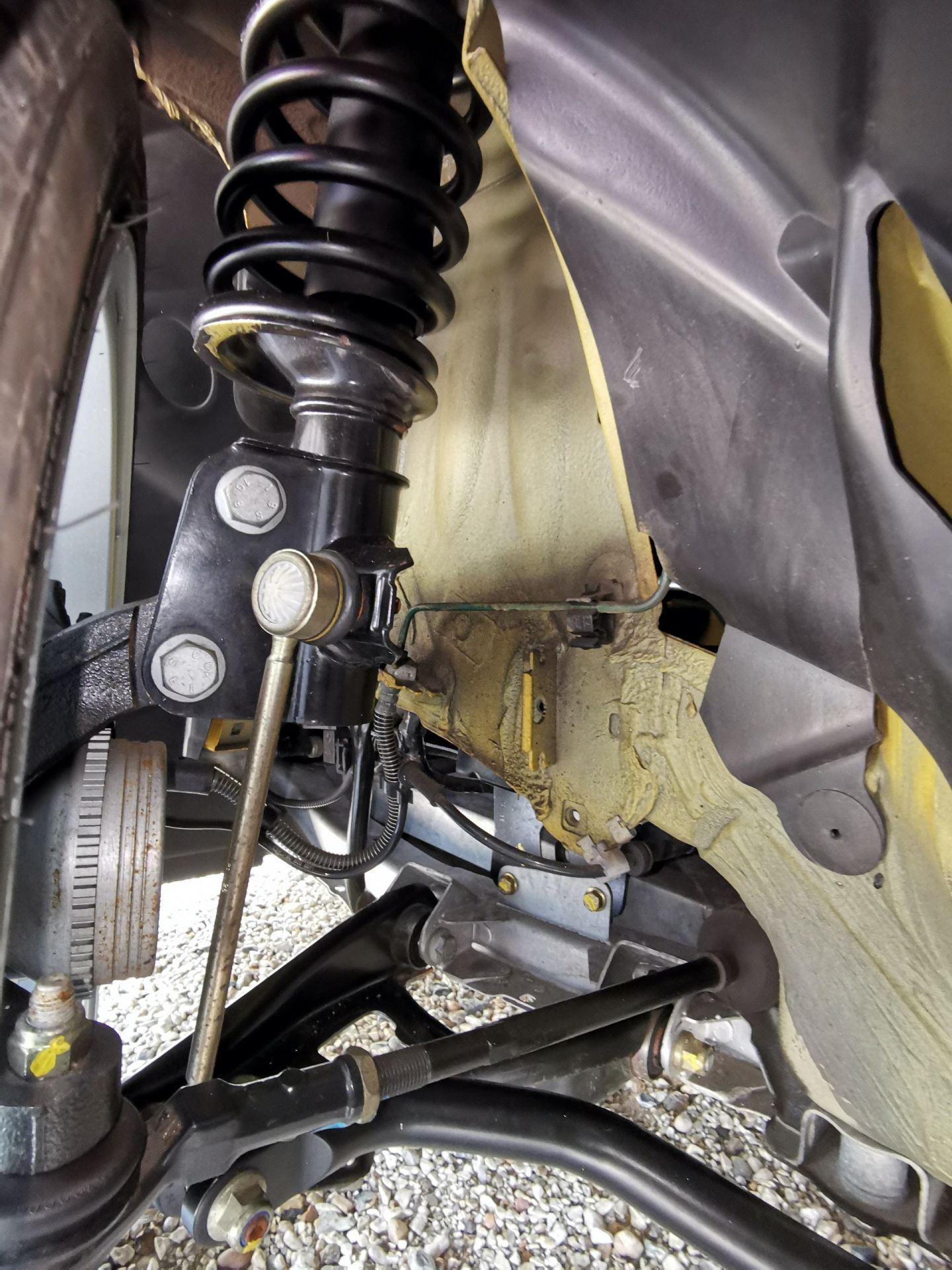 2005_Renault_Clio_V6_Phase_2_0152