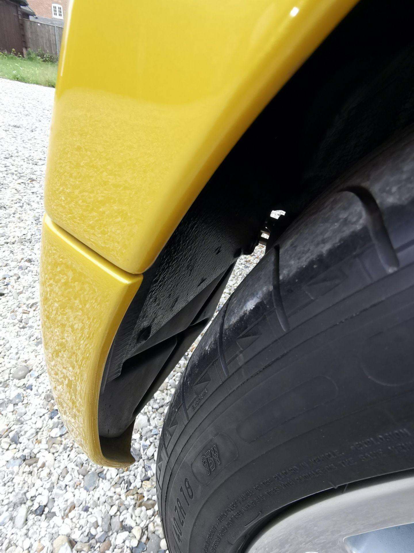 2005_Renault_Clio_V6_Phase_2_0167