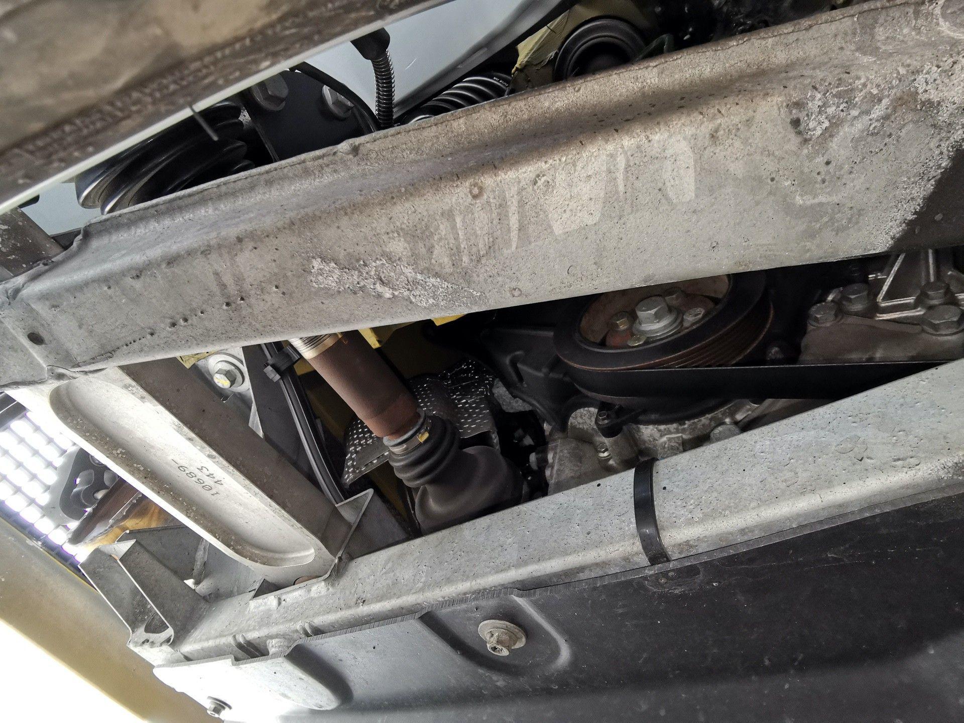 2005_Renault_Clio_V6_Phase_2_0171