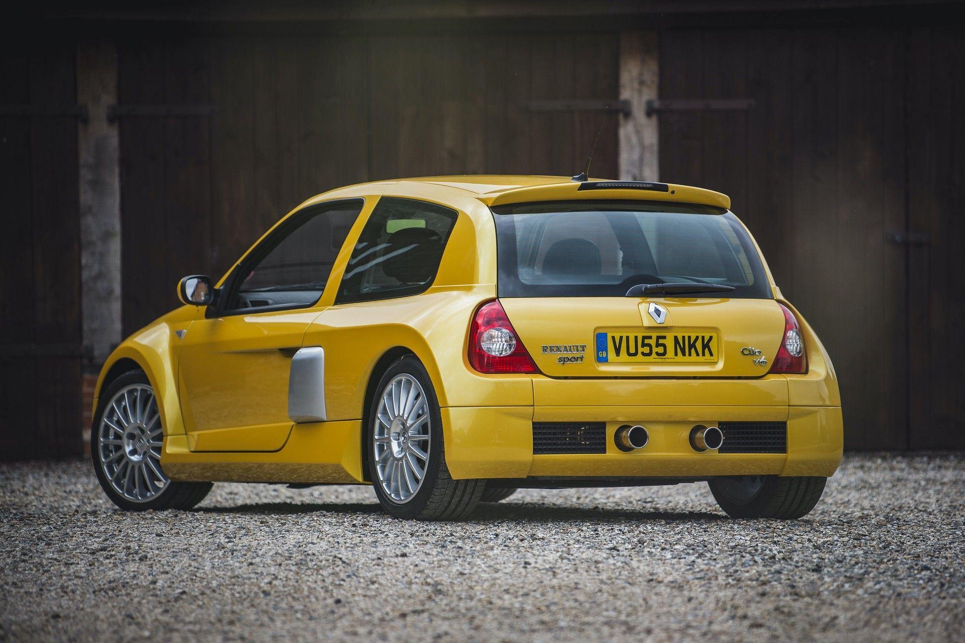 2005_Renault_Clio_V6_Phase_2_0175