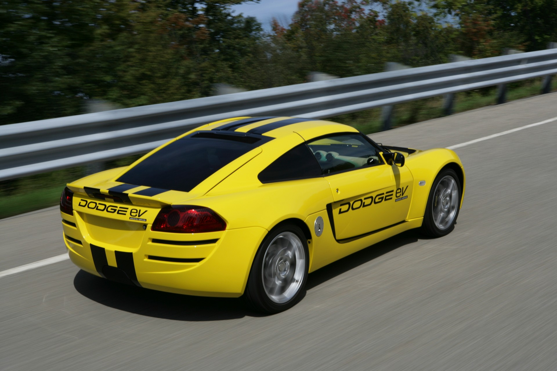 2009_Dodge_Circuit_EV_concept_0004