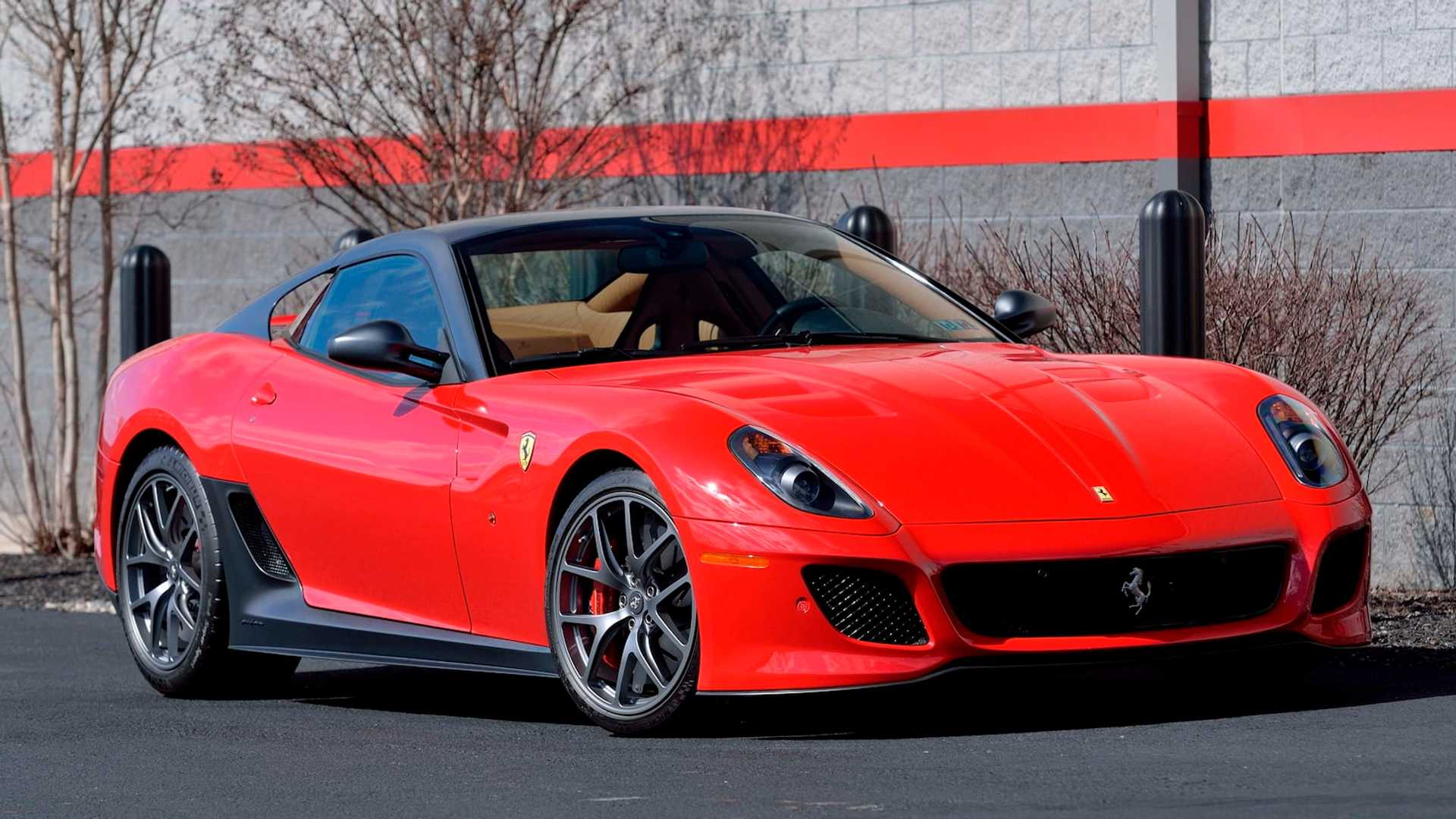 2011_Ferrari_599_GTO_auction_0000