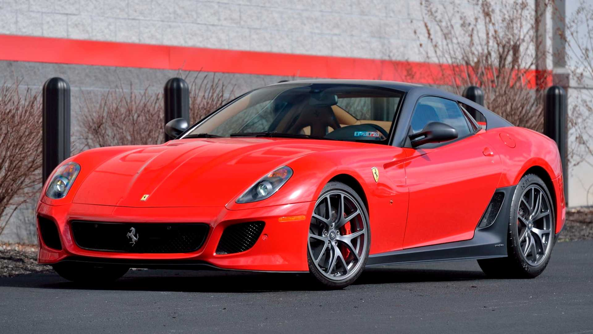 2011_Ferrari_599_GTO_auction_0001