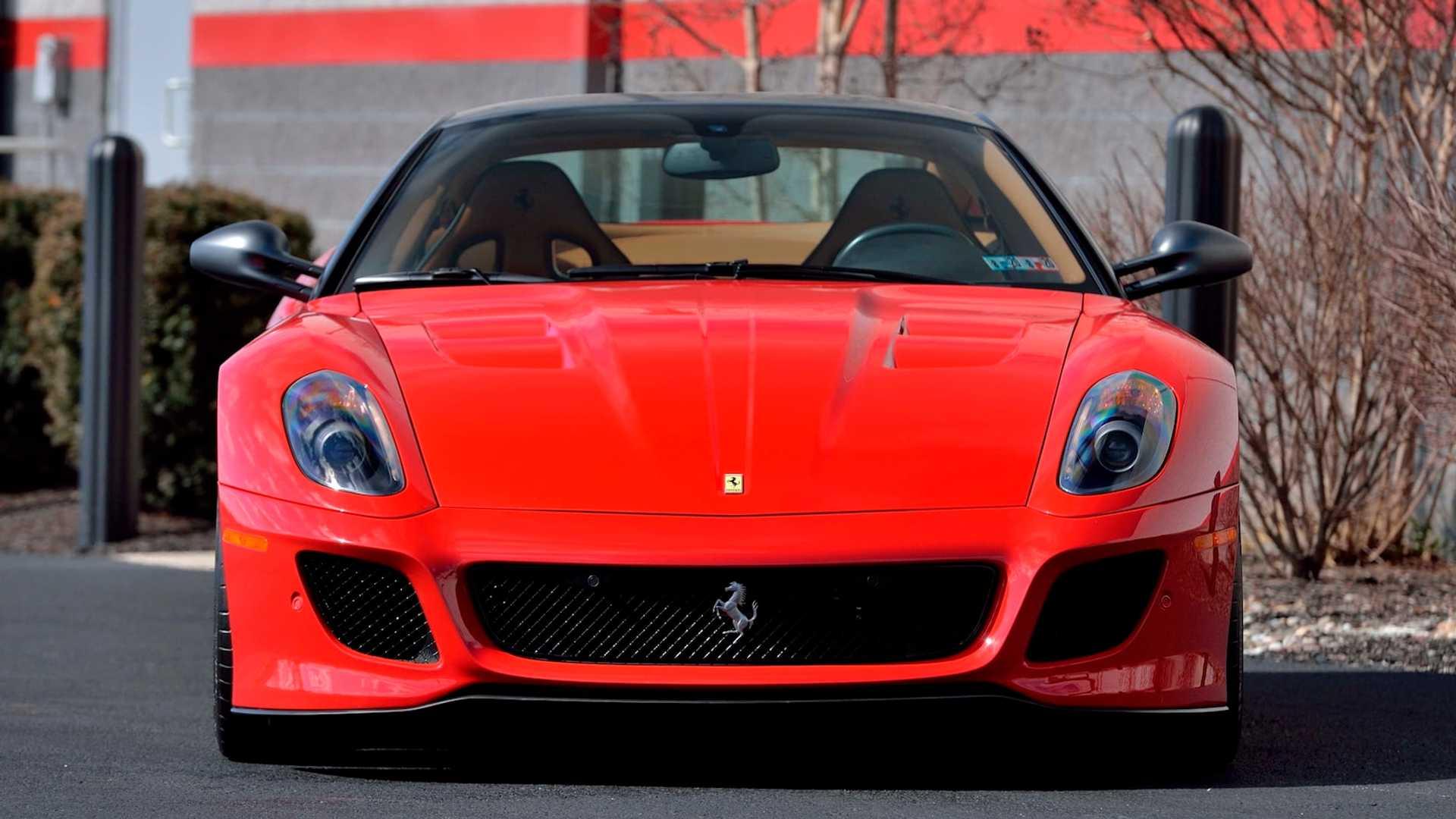 2011_Ferrari_599_GTO_auction_0002