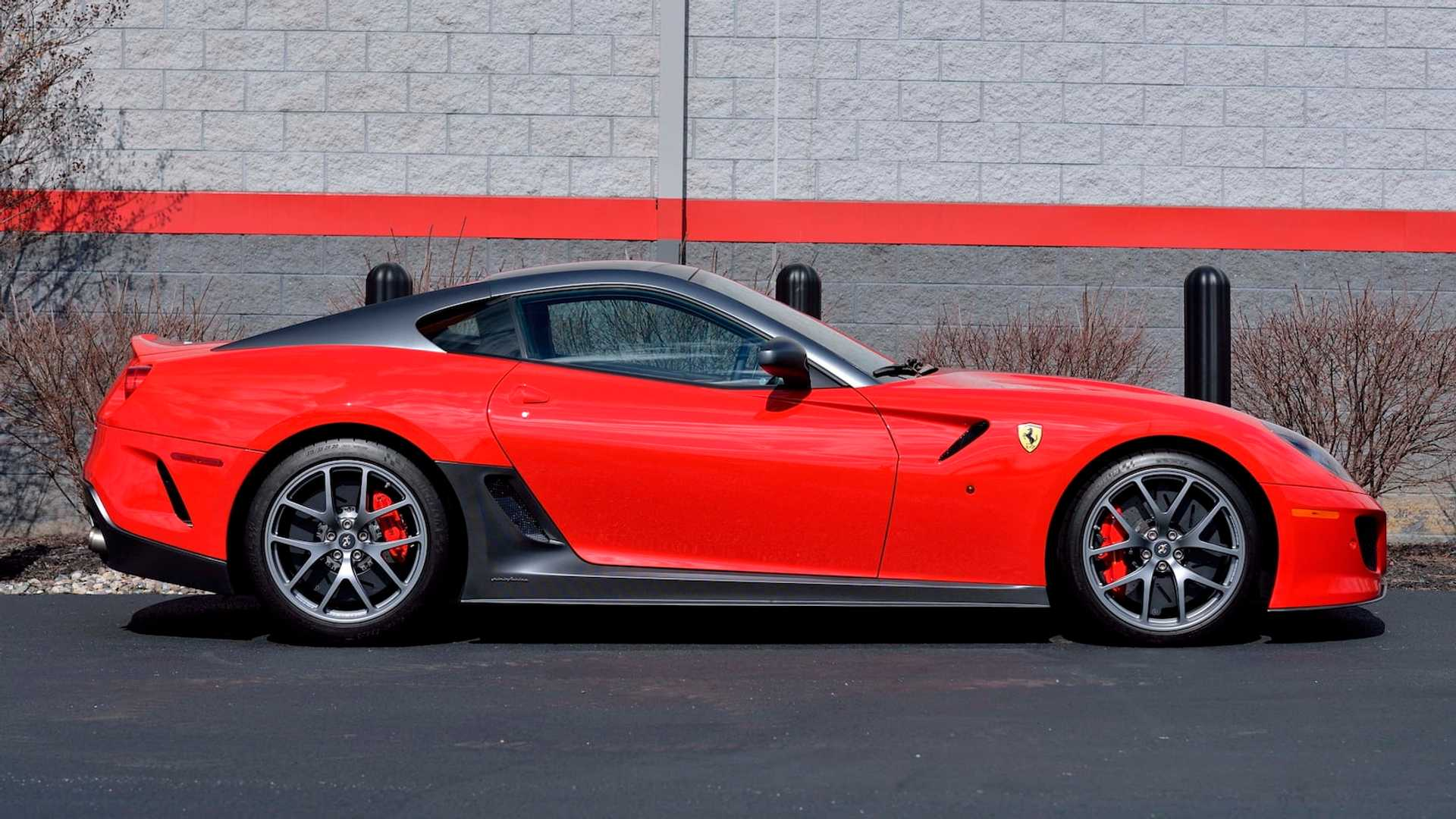 2011_Ferrari_599_GTO_auction_0003