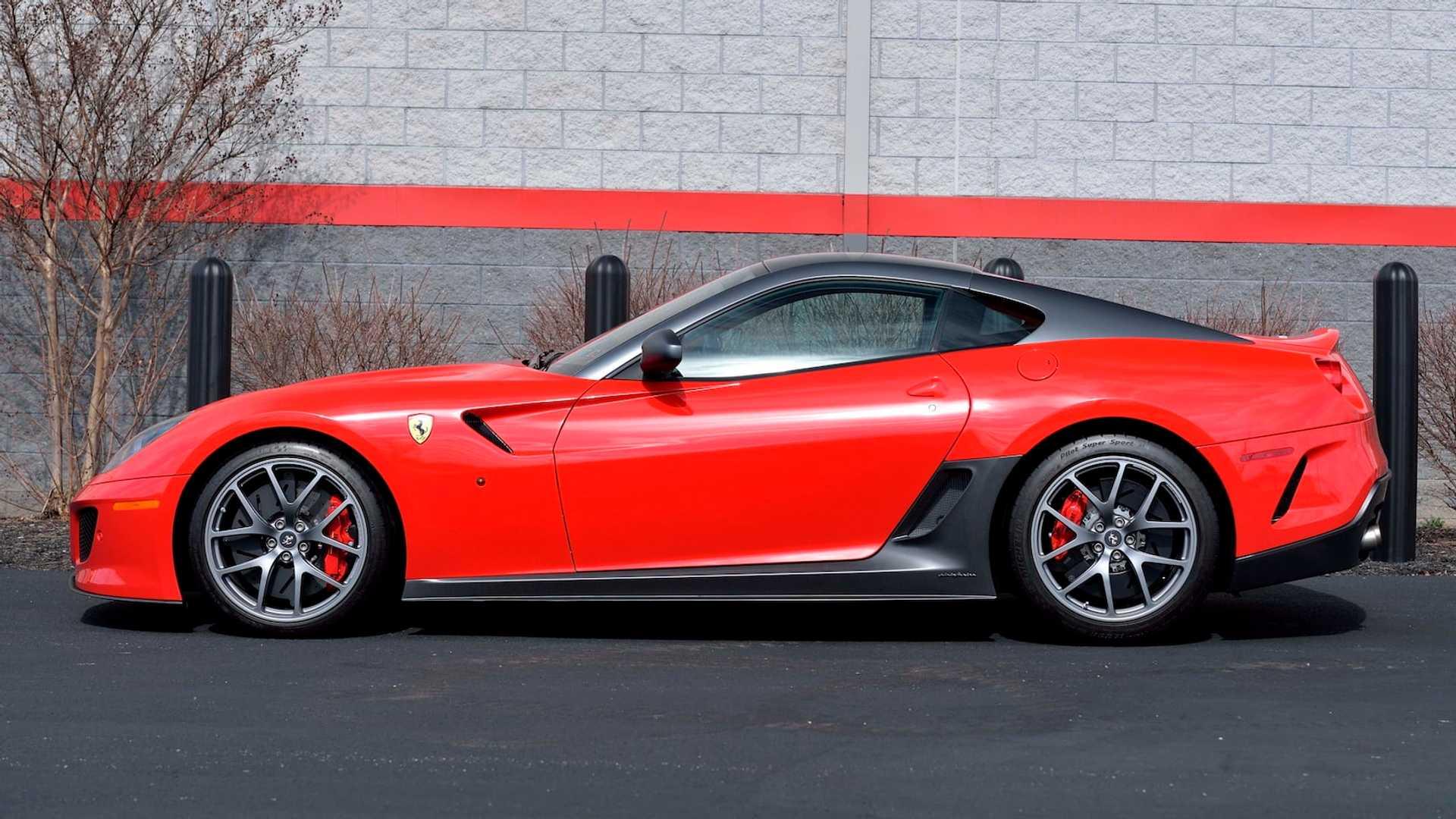 2011_Ferrari_599_GTO_auction_0004
